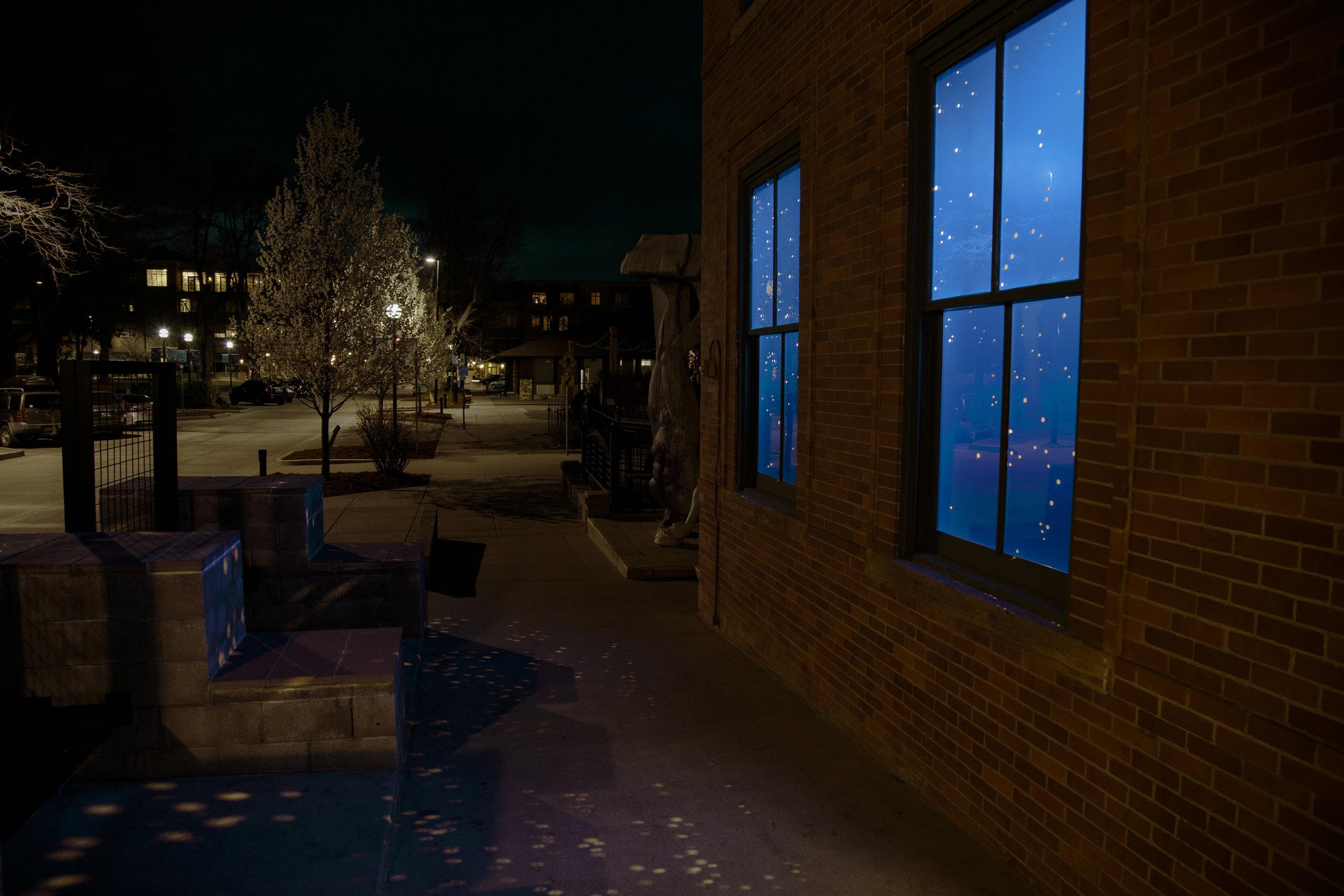 outside lights on ground.jpg