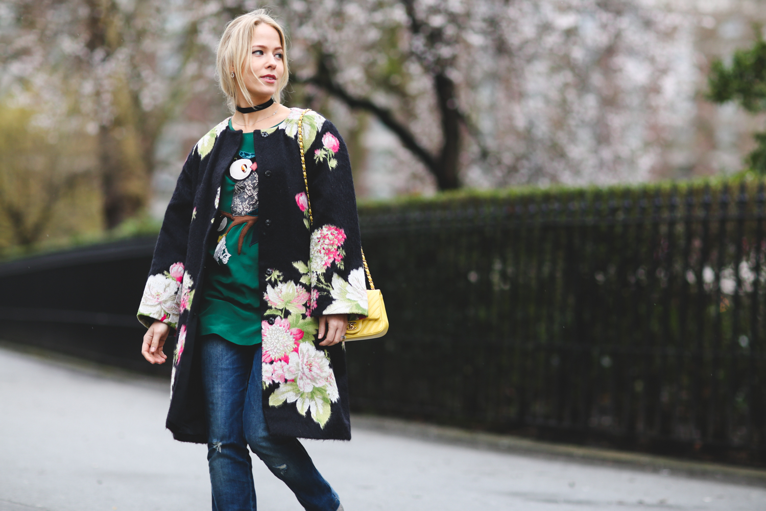 london-fashion-week-day-4-floral-coat-dolce-gabbana-chanel-bag-street-style-blogger-uk-sweatshirts-and-dresses-1.jpg