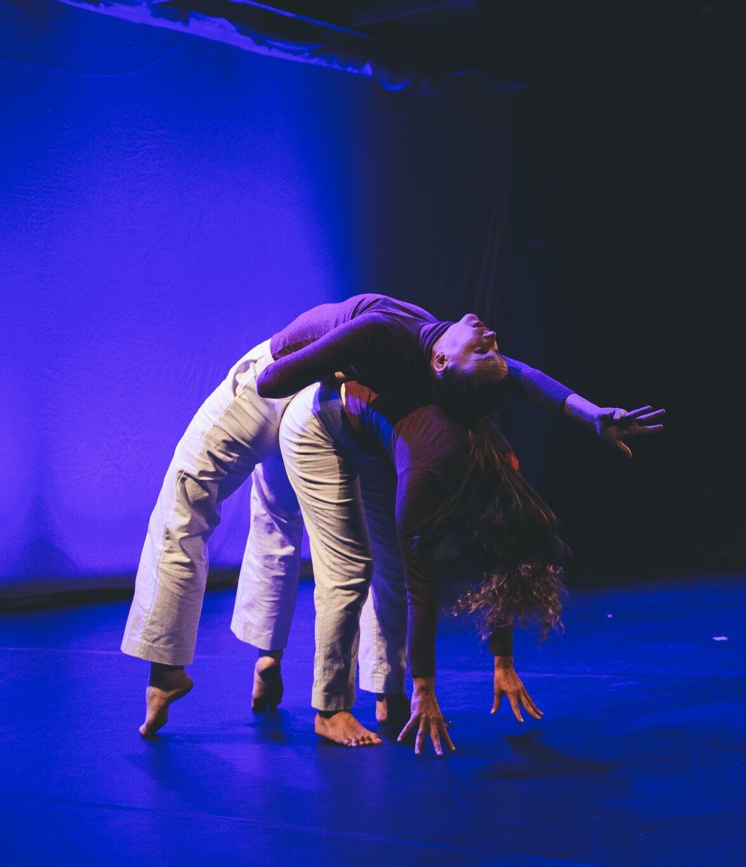 Dancers: Lucy Wilson, Hailley Laurén