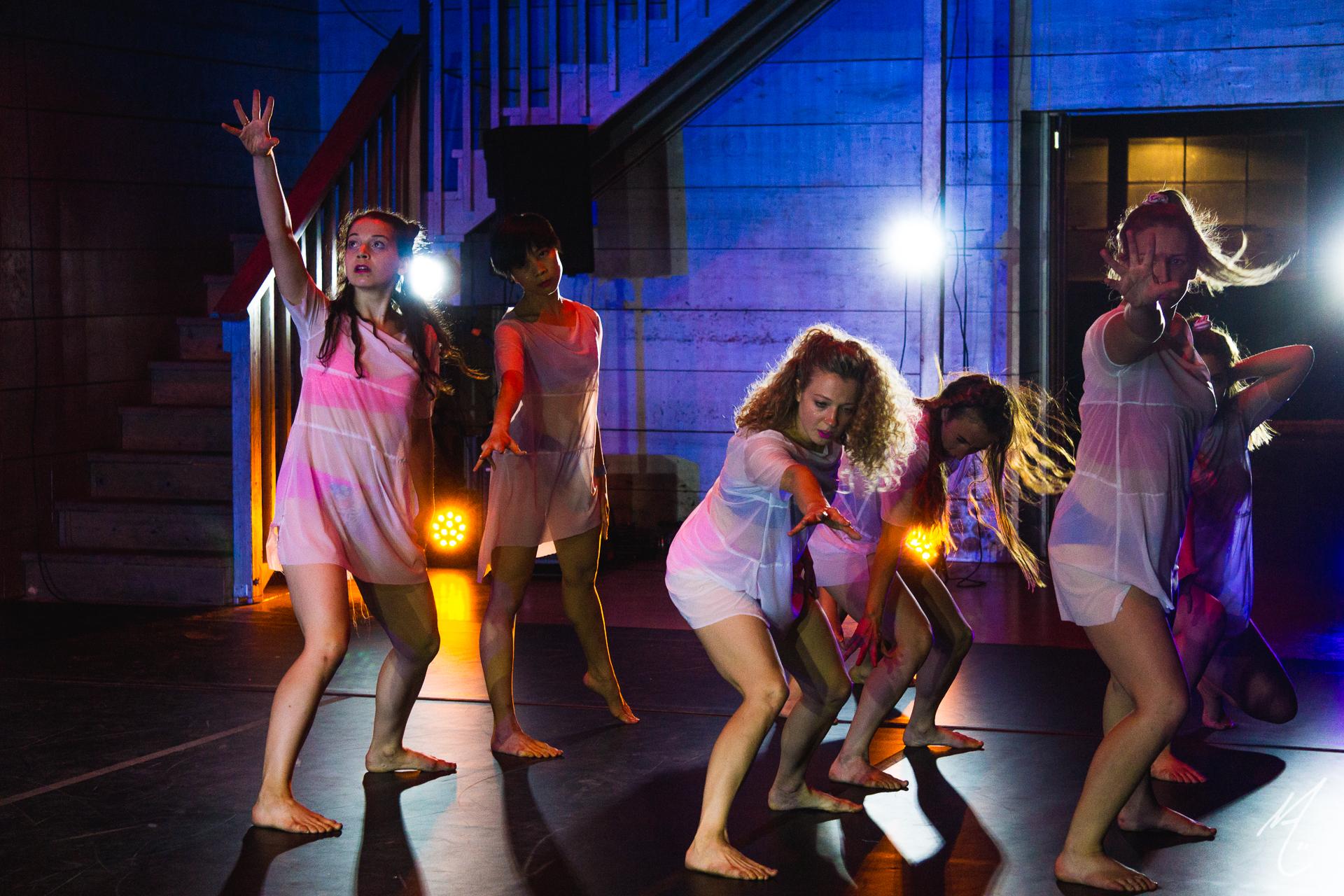 Dancers: Peyton Cunningham, Alexa Capareda, Hailley Laurèn, Katie Hopkins, Shanna Fragen, Lauren Parra