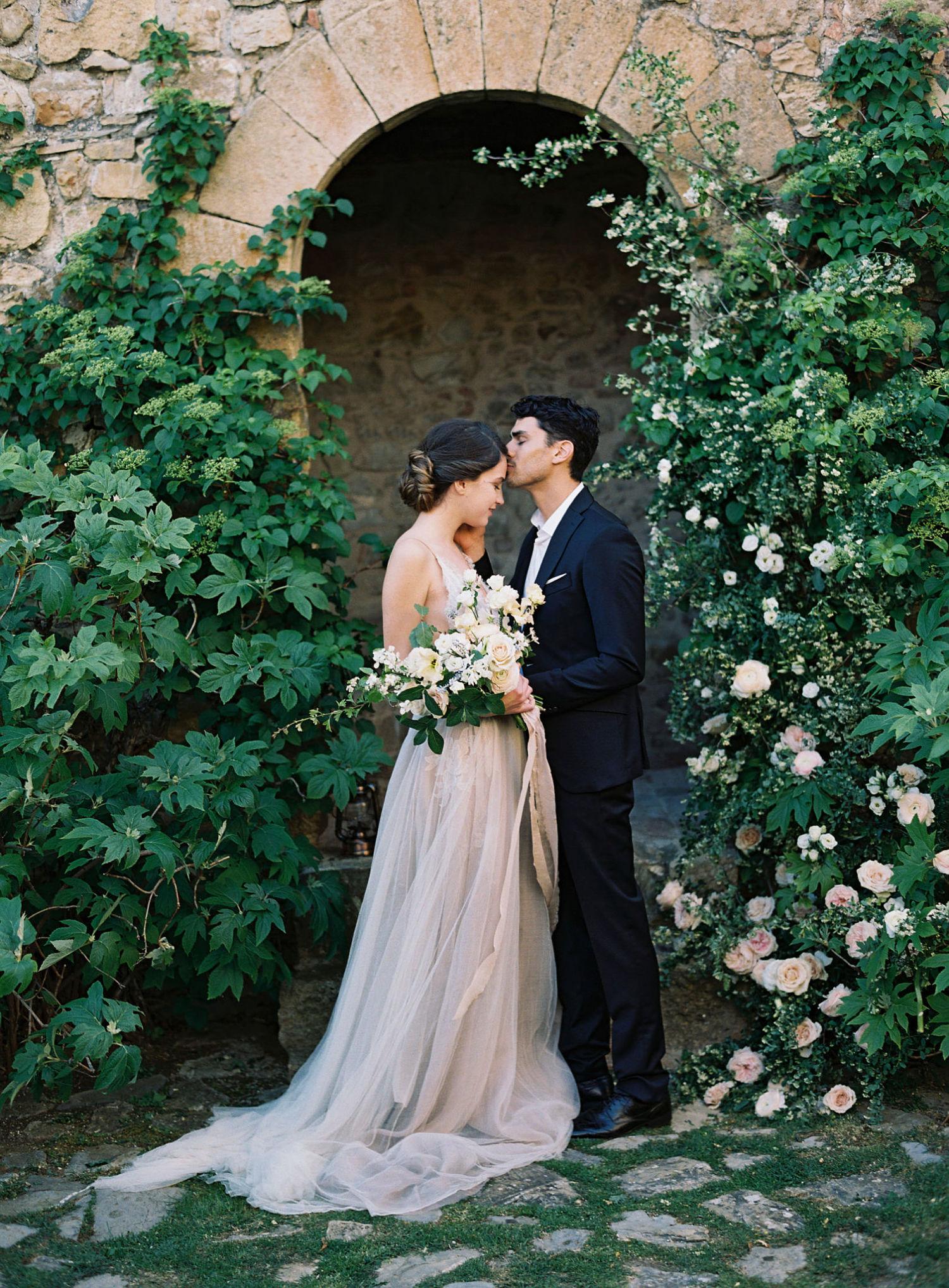 Taylor&Porter_CastilloDeVicarello_ItalyWedding_137b_opt.jpg
