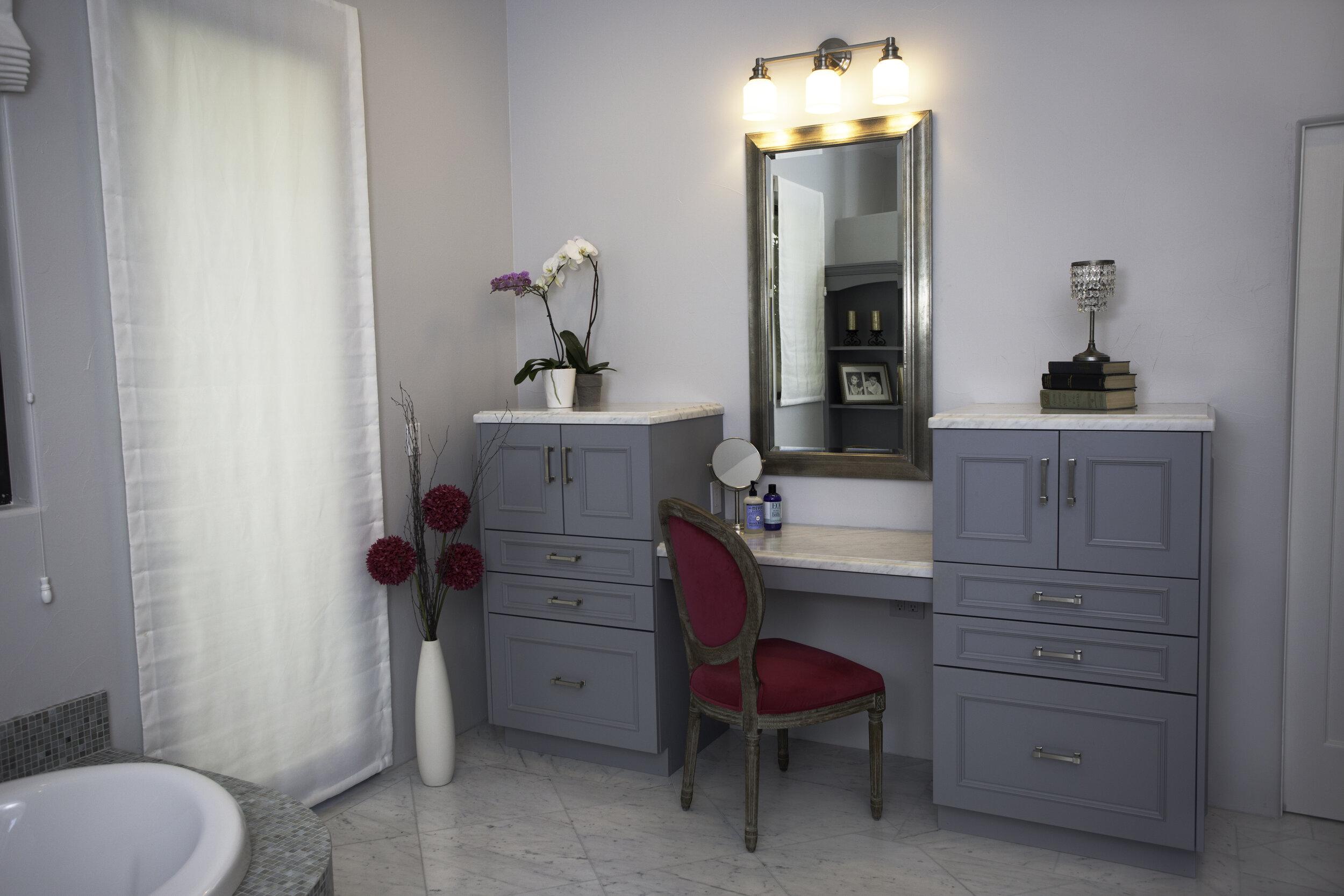 Bathroom.vanity.custom01.jpg