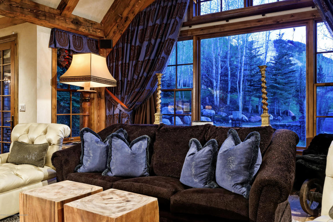 Enjoy summer and winter views into nature.
