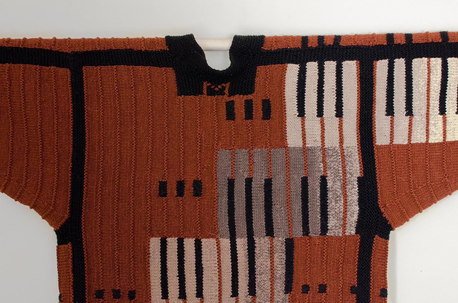 sweater-2a.jpg
