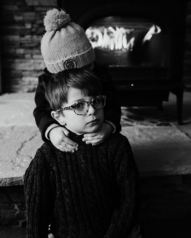 Sweet hugs from a younger brother or a tender choke hold? I'll let you decide. 🤟🏻