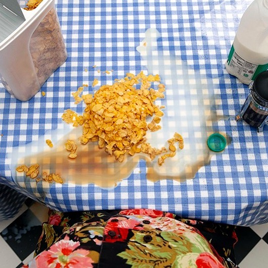 Kitchen Table (detail) showing as part of Show One at Central Saint Martins until Sun along with my peers from MA photography and varied works by MA Art and Science, MA fine Art and BA Fine Art. Show open daily, come see! . . . Kitchen Table, 2019, depicts a series of interactions between a faceless woman and items on the table in front of her, exploring the physical attributes of various food items and their behaviour when faced with different human actions. The film visualises a series of futile exchanges between the subject and various food items which could be seen to demonstrate discontentment with the home environment and our relationship to food. It is unclear whether these exchanges act in tandem or represent separate experiences. . . . #CSMtakingshape #csm #centralsaintmartins #foodart #kitchentable
