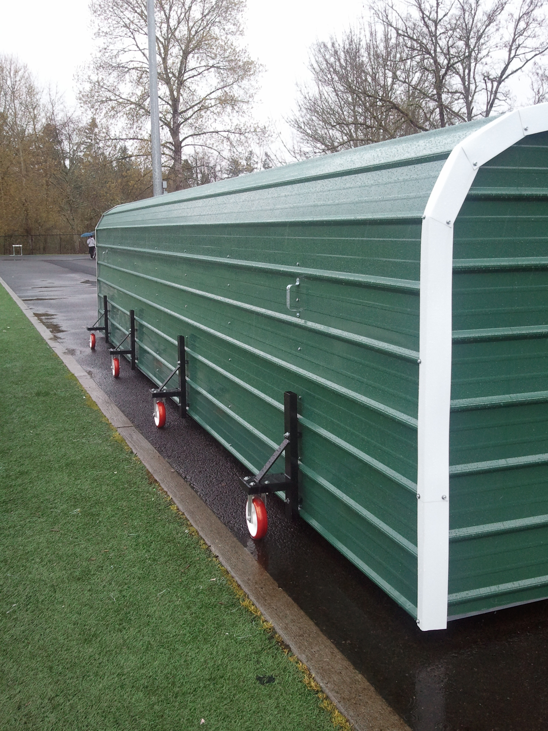 POLE VAULT SHELTER - WHEELS 2012 #10.jpg