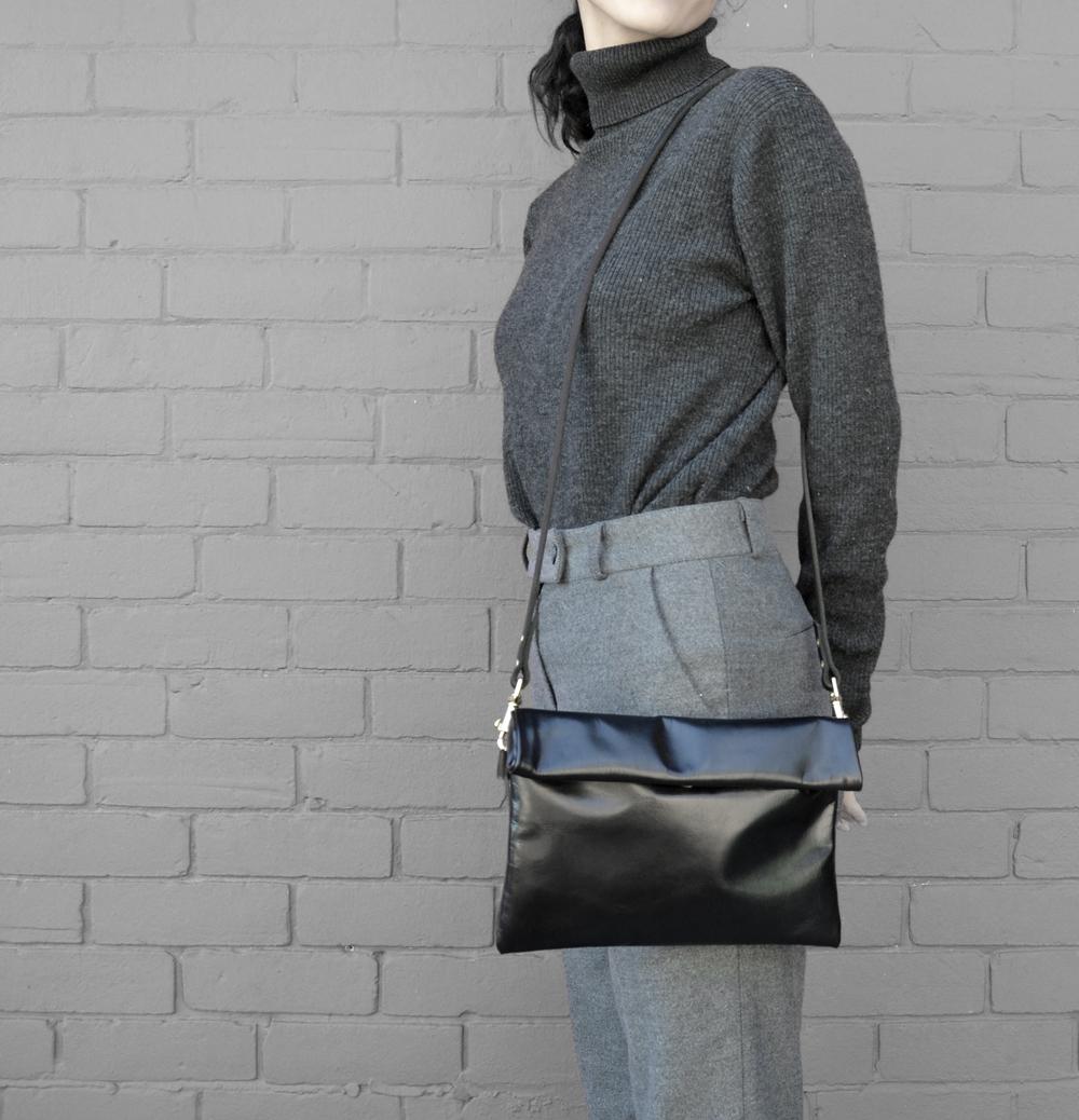 Shoulder Bag 01