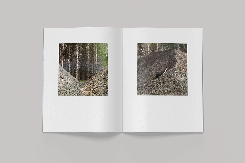 Book_MockUP_Spread2.jpg