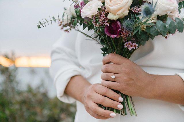 Happy Floral Friday! That's a thing, right? 🤷🏼♀️ . . . . #betsyandgregoryphotos #engagementphotos #engagement #malibu #realcouple #beachengagementphotos #weddingflowers #weddingphotography #weddingphotographer #marthastewartweddings #ruffledblog #brideandgroom #pointdume #100layercake #stylemepretty #magnoliarouge #bouquet #weddinginspo #weddinginspiration #florist #weddingaccessories #engaged #engagementring #californiabride #beachbride #weddingseason #engagementinspiration #instawedding #weddingphotos #weddingphotoinspiration