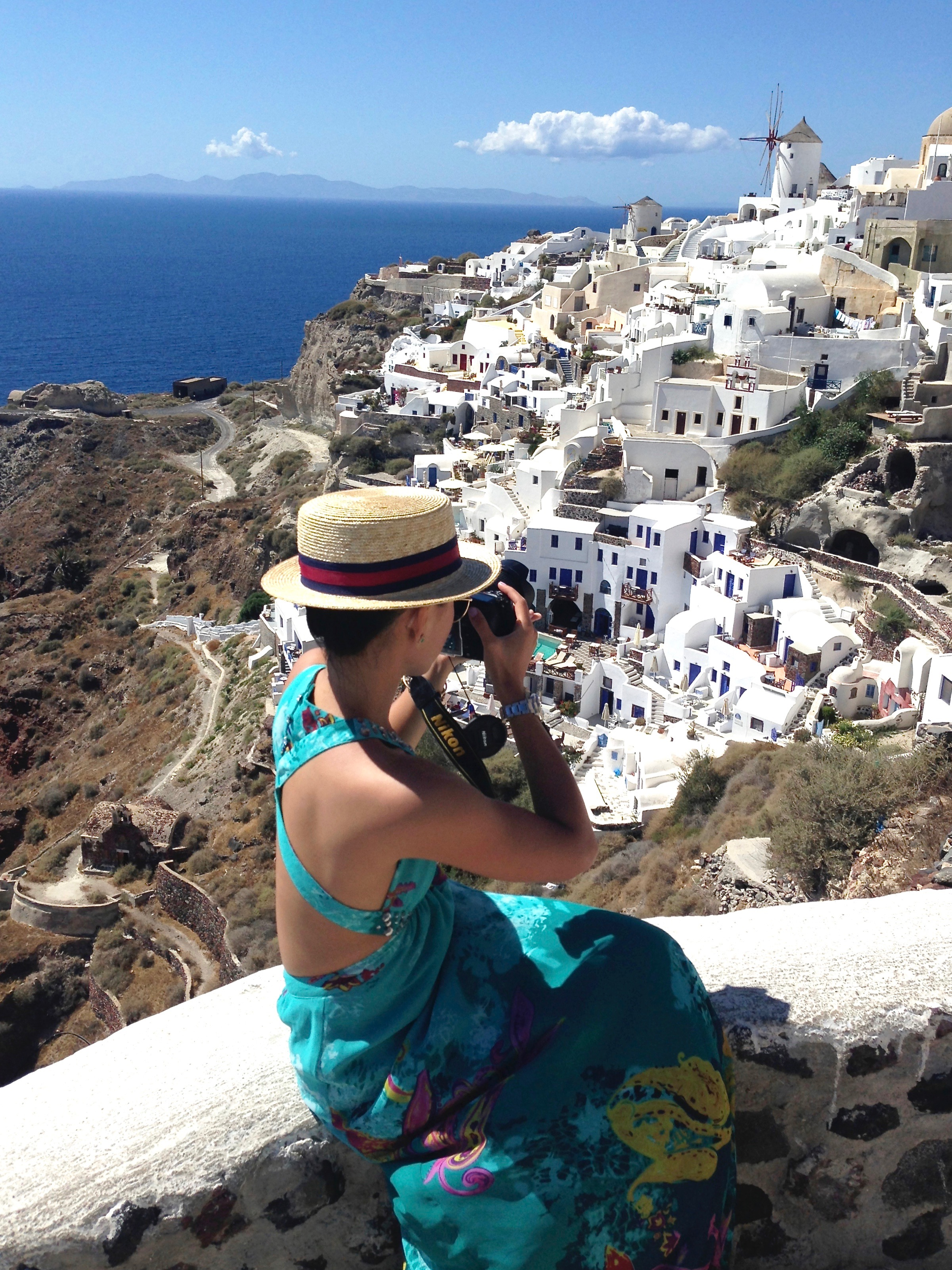 Just Goh With It-Travel-Outfits-Santorini-Greece-3.jpg