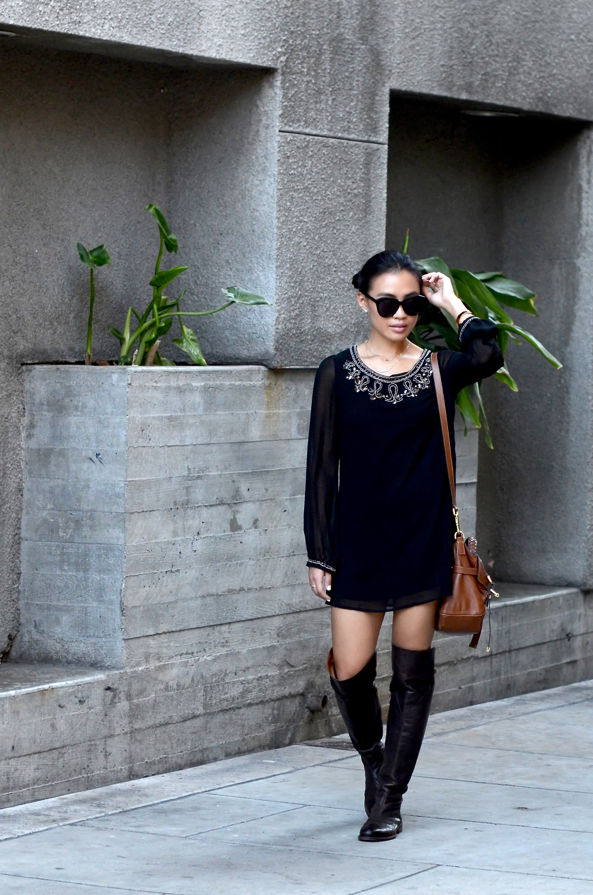 Just Goh With It-Outfit-Black-forever21-beaded-tunic-dress-all-saints-over-the-knee-boots-mulberry-alexa-1.jpg