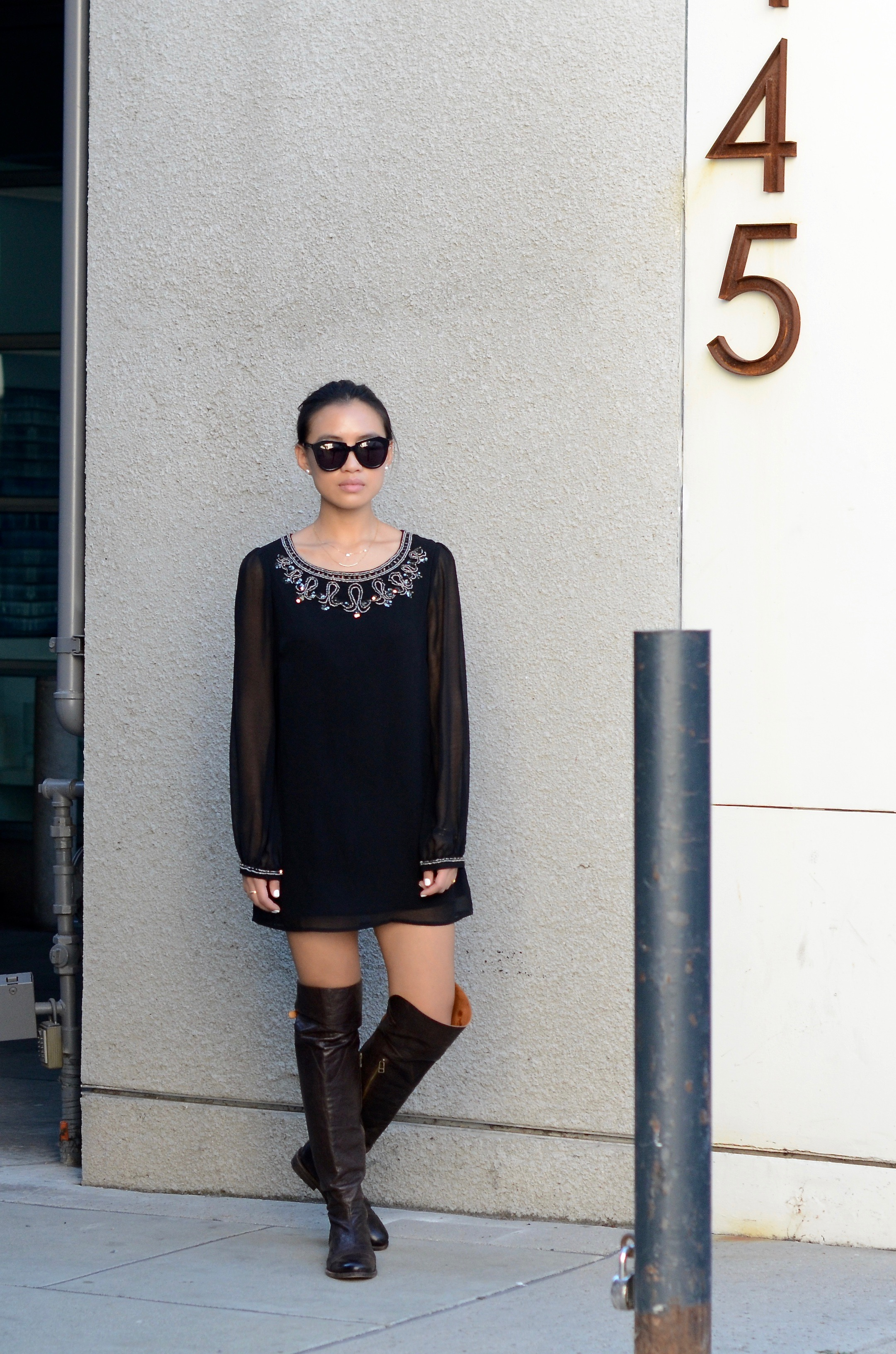 Just Goh With It-Outfit-Black-forever21-beaded-tunic-dress-all-saints-over-the-knee-boots-mulberry-alexa-5.jpg