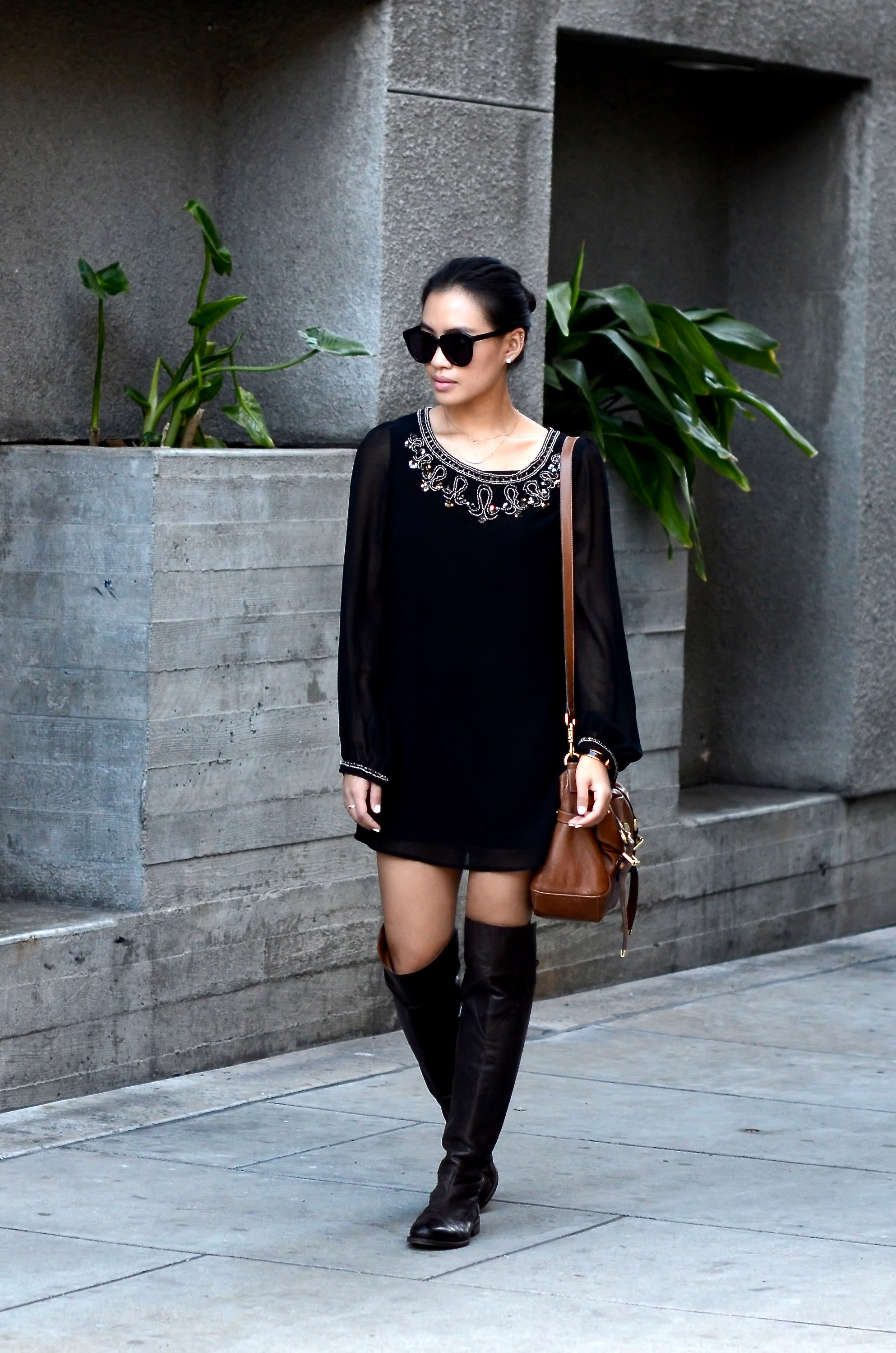 Just Goh With It-Outfit-Black-forever21-beaded-tunic-dress-all-saints-over-the-knee-boots-mulberry-alexa-7.jpg