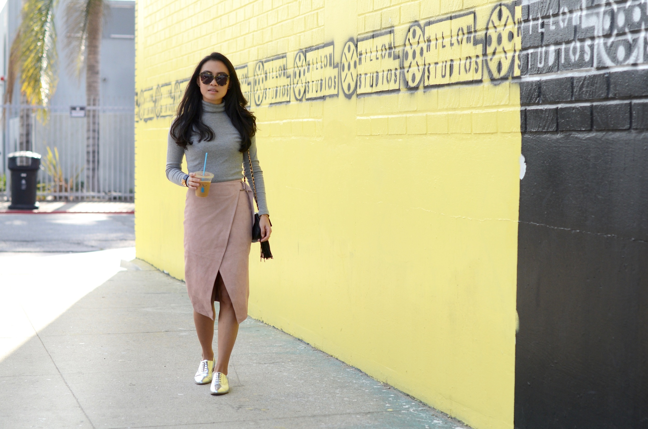 Just Goh With It-Outfit-Turtleneck-suede-wrap-slirt-vintage-chanel-metallic-oxfords-3.jpg