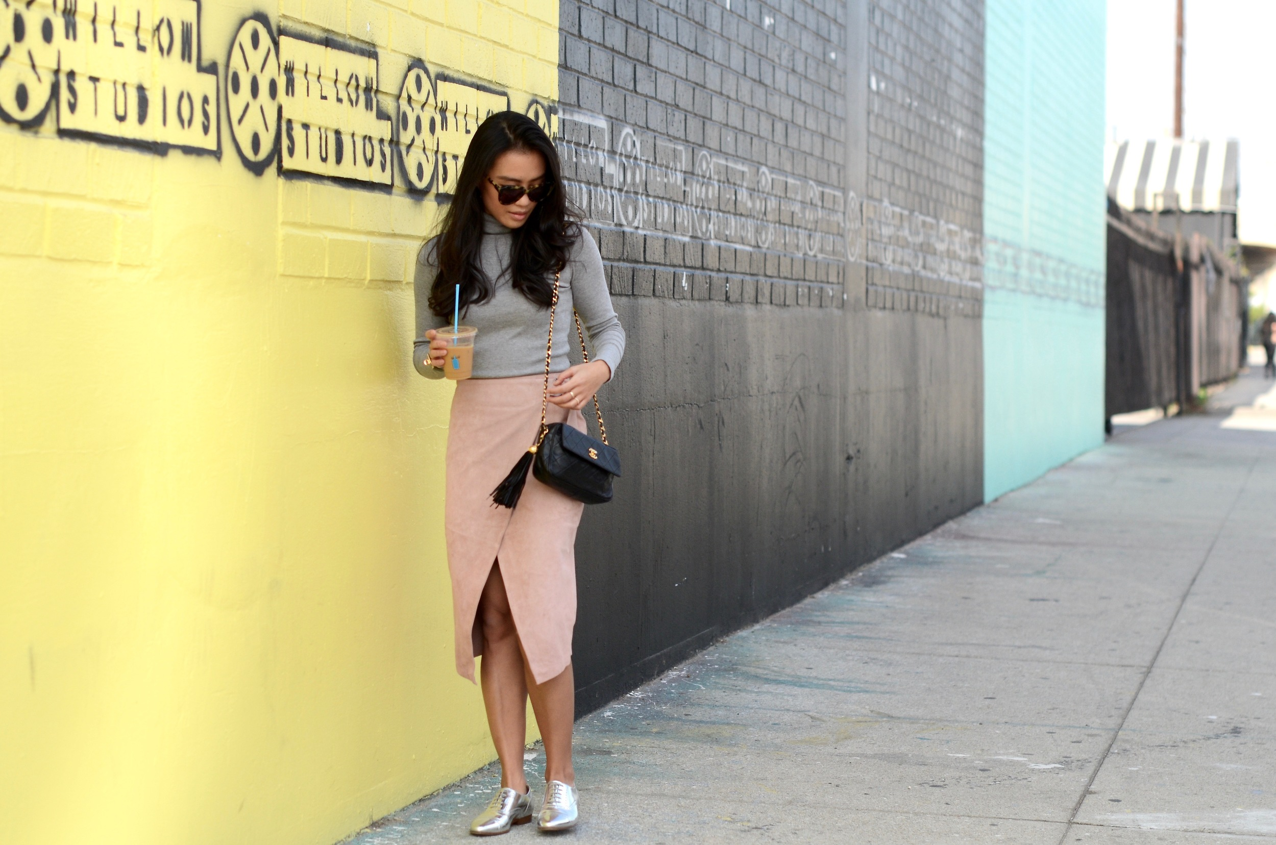 Just Goh With It-Outfit-Turtleneck-suede-wrap-slirt-vintage-chanel-metallic-oxfords-4.jpg