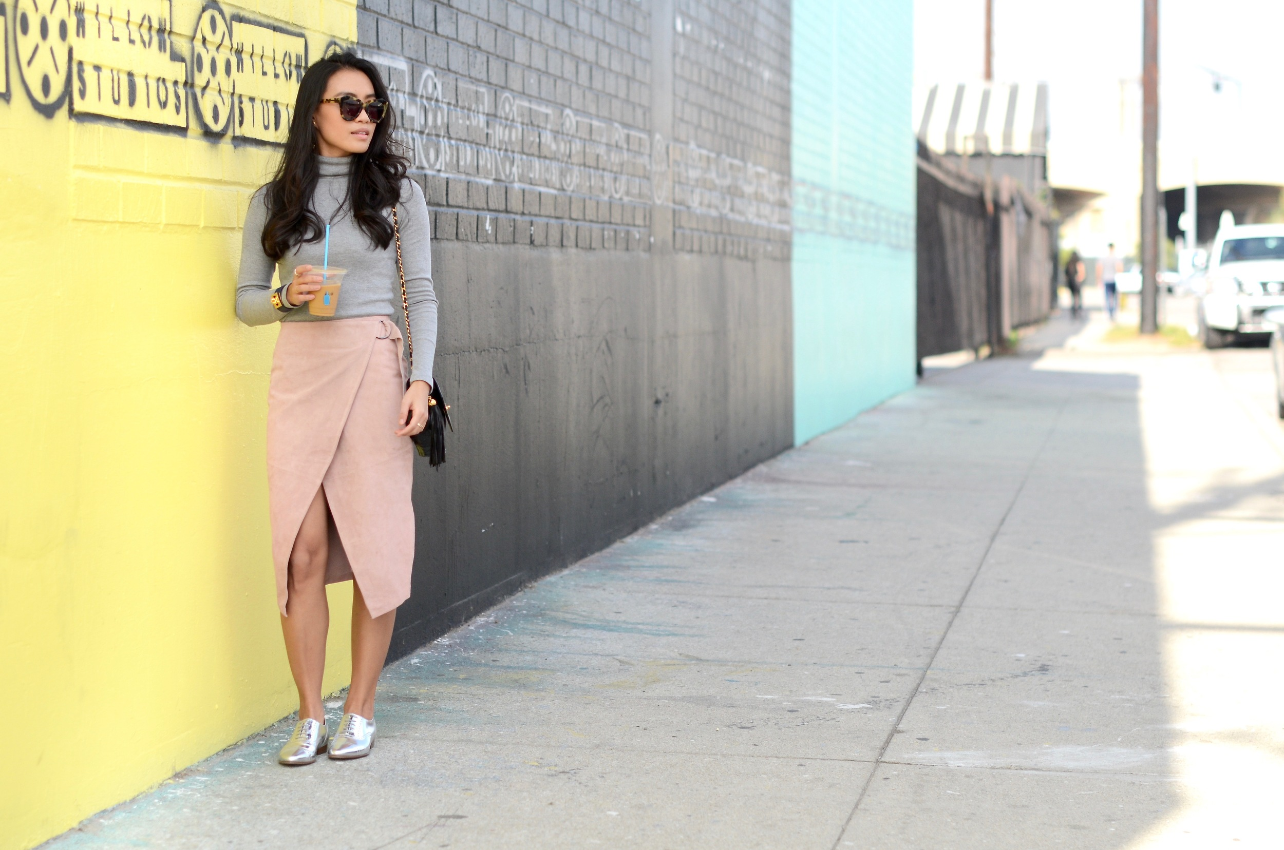 Just Goh With It-Outfit-Turtleneck-suede-wrap-slirt-vintage-chanel-metallic-oxfords-5.jpg
