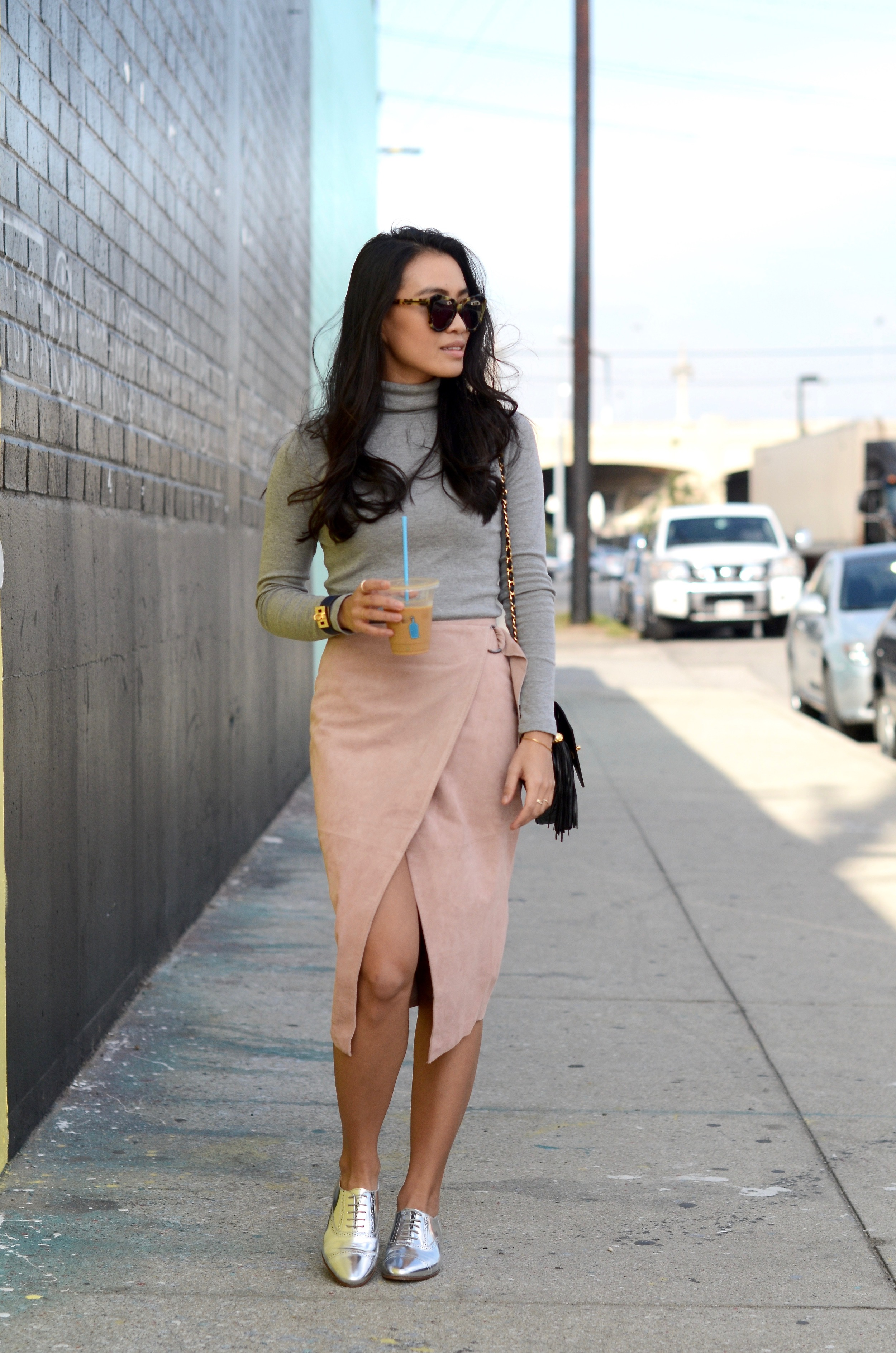 Just Goh With It-Outfit-Turtleneck-suede-wrap-slirt-vintage-chanel-metallic-oxfords-7.jpg