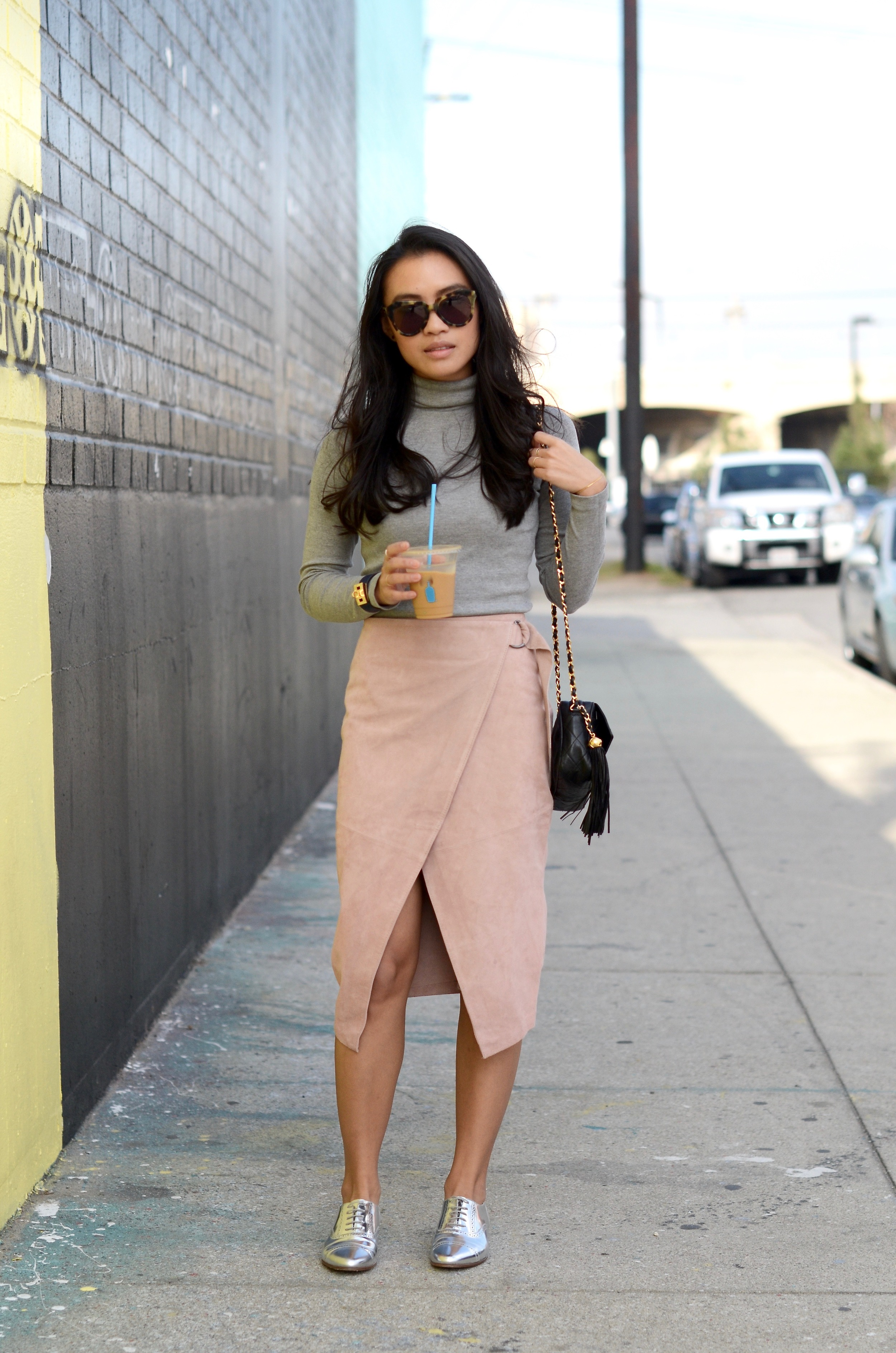 Just Goh With It-Outfit-Turtleneck-suede-wrap-slirt-vintage-chanel-metallic-oxfords-8.jpg