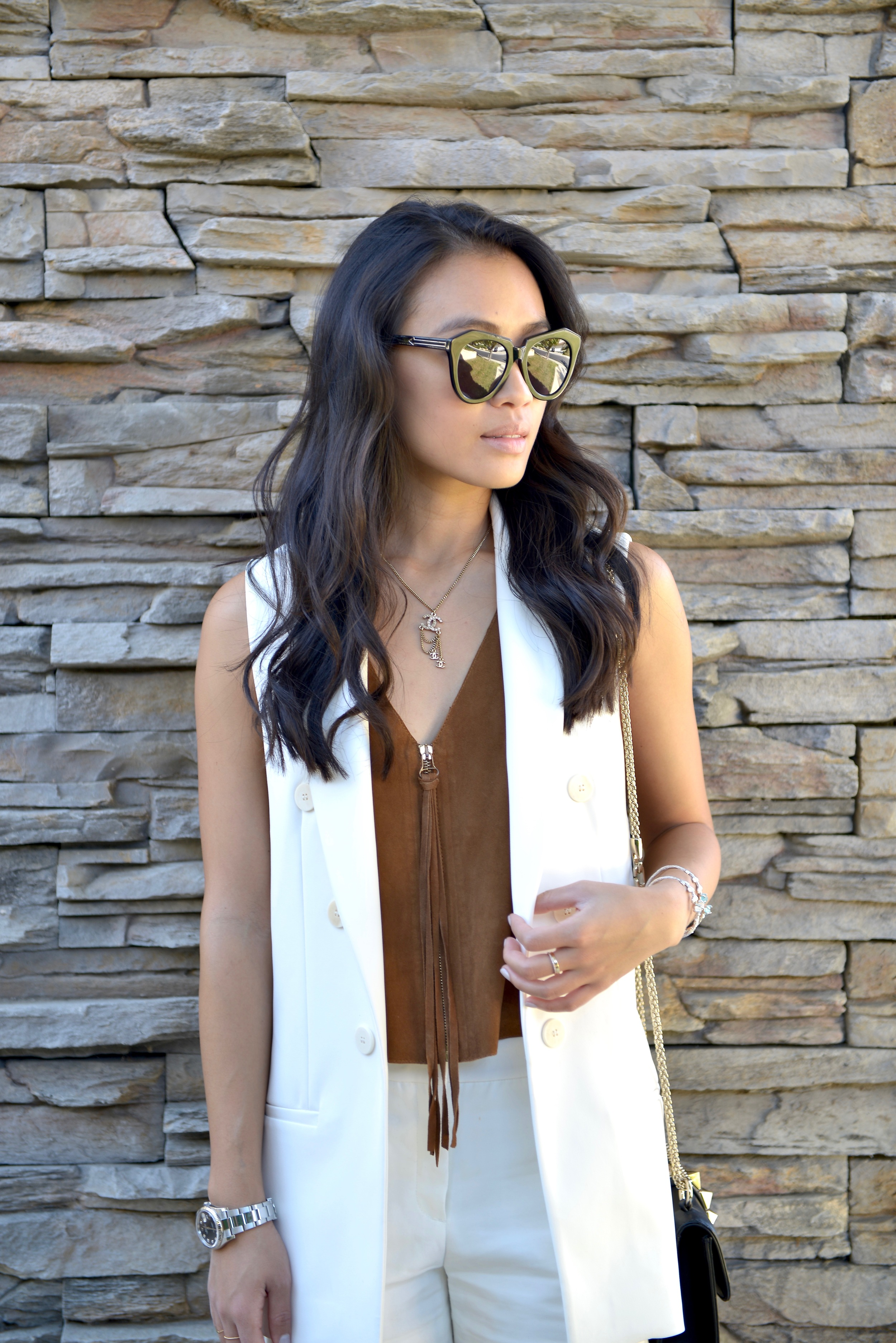 Just Goh With It-Outfit-White-Sleeveless-Blazer-Suede-top-shorts-loafers-valentino-rockstud-1.jpg
