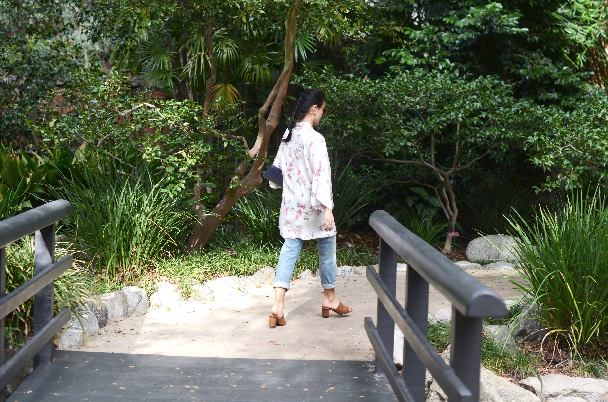 Just Goh With It-Outfit-Descanso-Gardens-Levis-Jeans-Bodysuit-Mules-Kimono-Cardigan-5.jpg