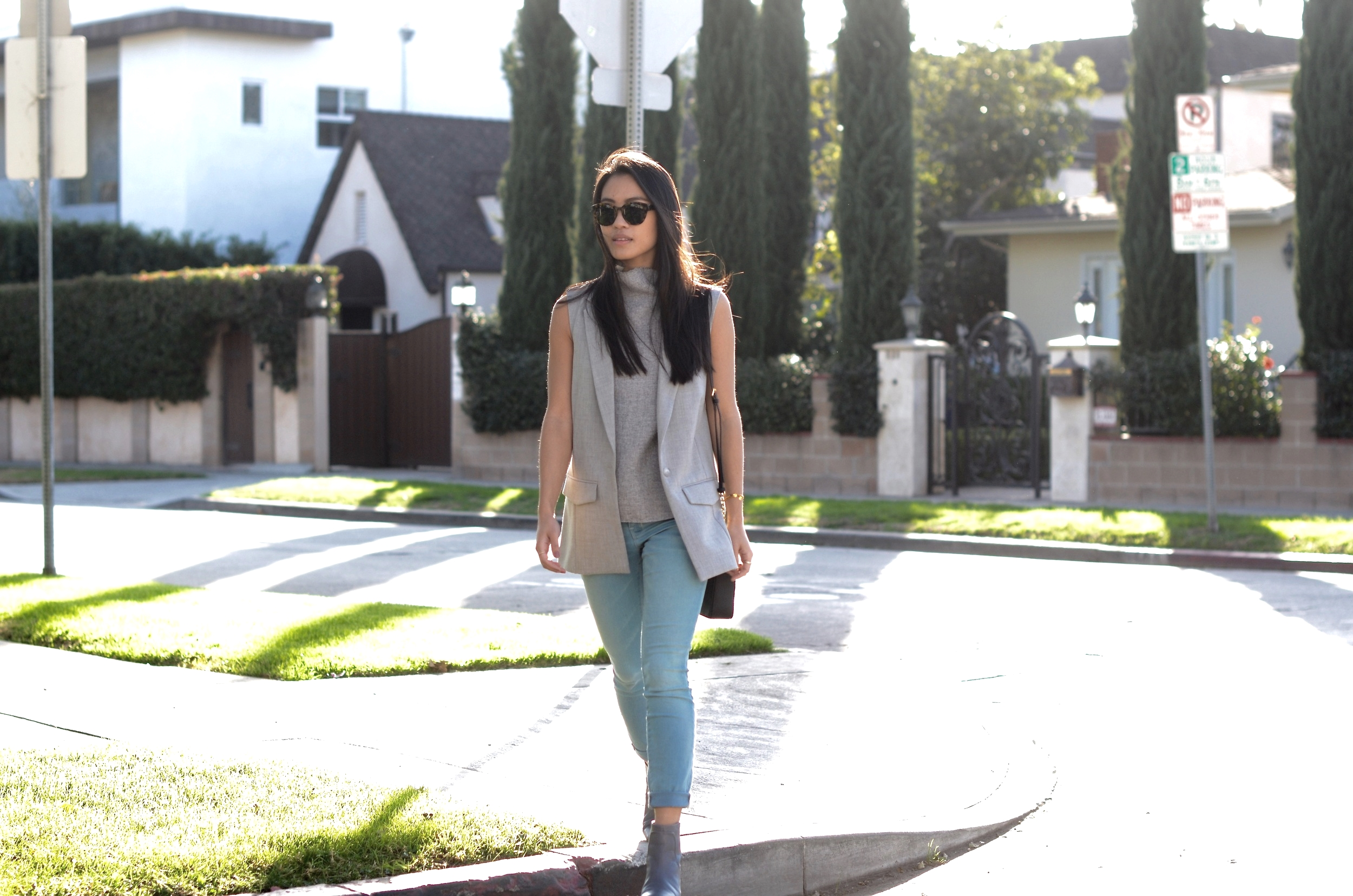 Just Goh With It-los-angeles-fashion-style-blogger-Outfit-sleeveless-blazer-mock-neck-top-10.jpg