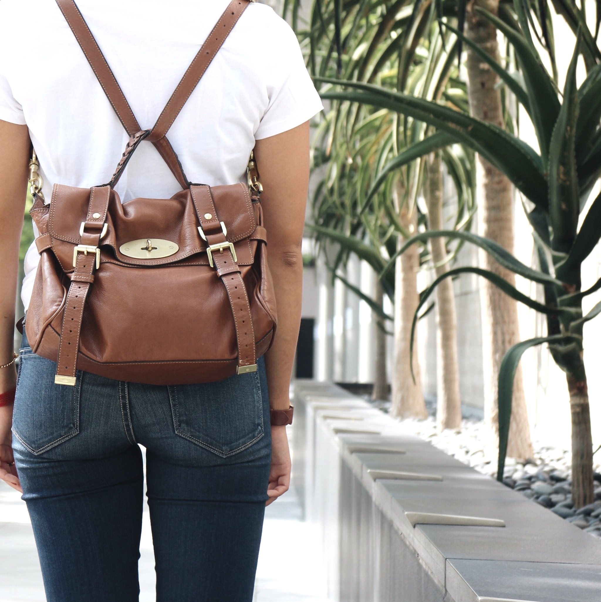 Just Goh With It-Outfit-Everlane-White-T-Shirt-paige-denim-Jeans-jeffrey-campbell-ankle-boots-Mulberry-bag-1.jpg