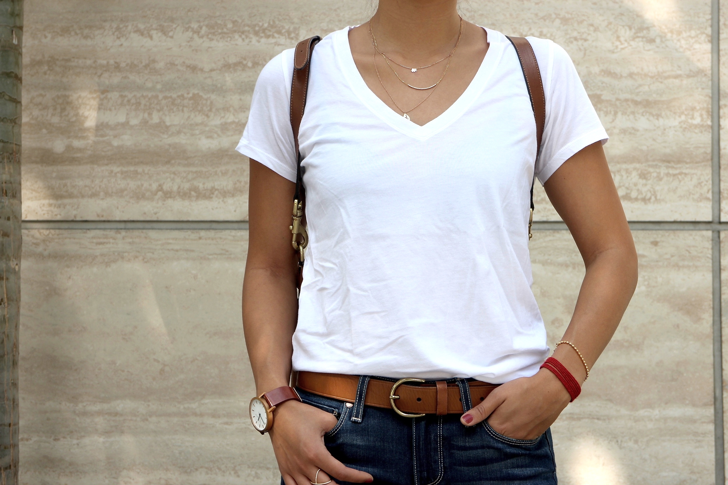 Just Goh With It-Outfit-Everlane-White-T-Shirt-paige-denim-Jeans-jeffrey-campbell-ankle-boots-Mulberry-bag-4.jpg