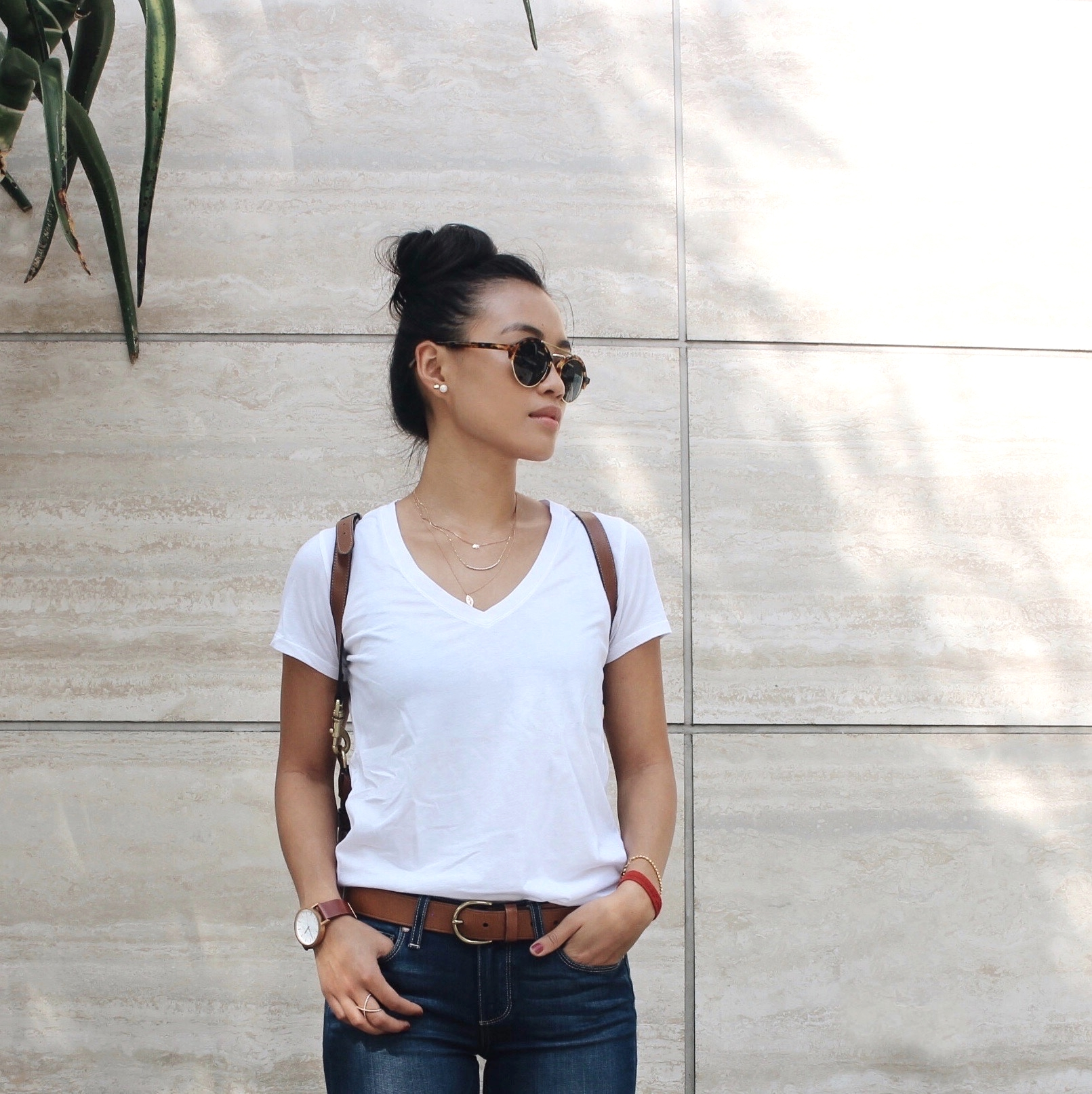 Just Goh With It-Outfit-Everlane-White-T-Shirt-paige-denim-Jeans-jeffrey-campbell-ankle-boots-Mulberry-bag-7.jpg