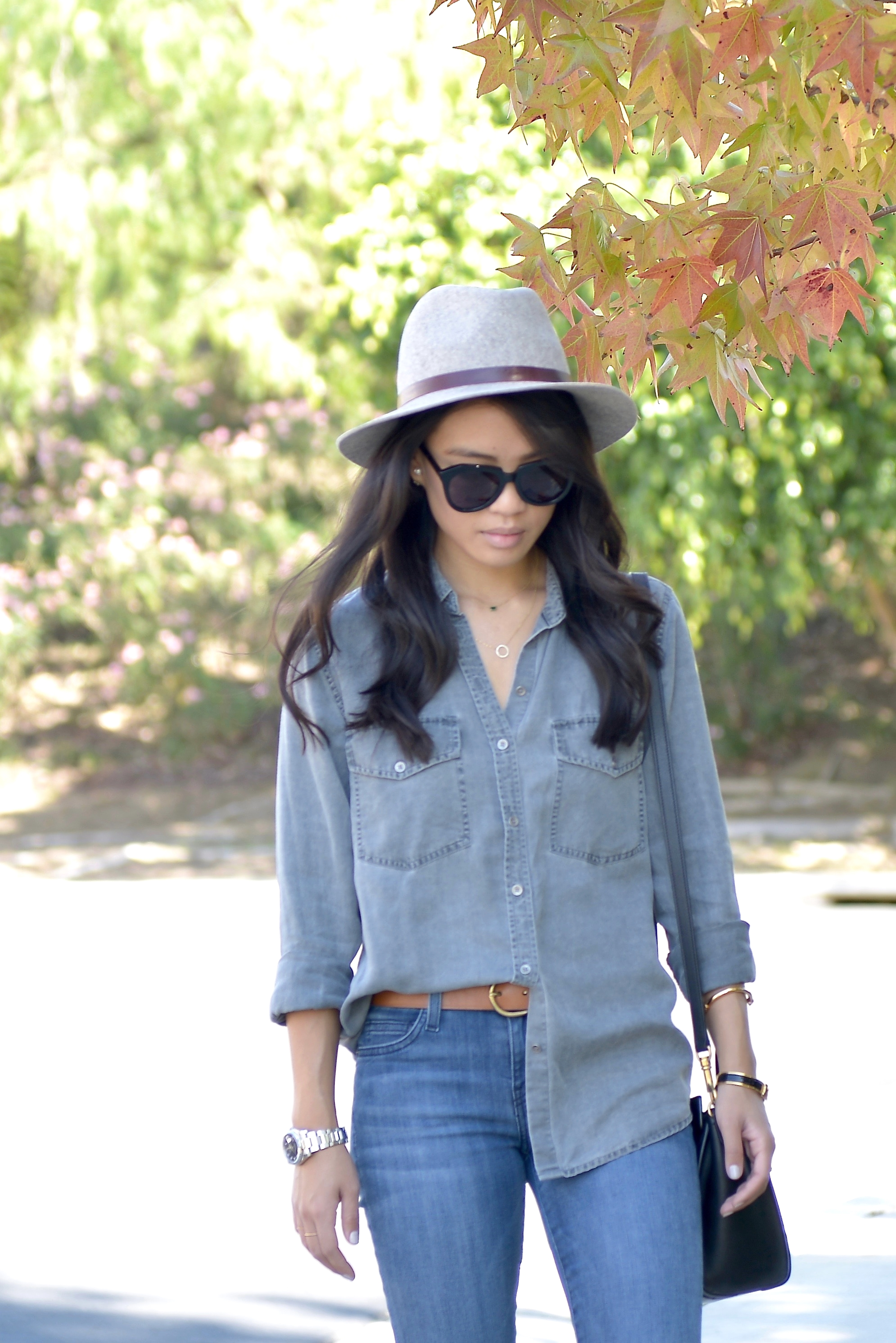 Just Goh With It-Outfit-Current-Elliott-Shirt-Blue-Jeans-Chloe-Susanna-Ankle-Boots-6.jpg