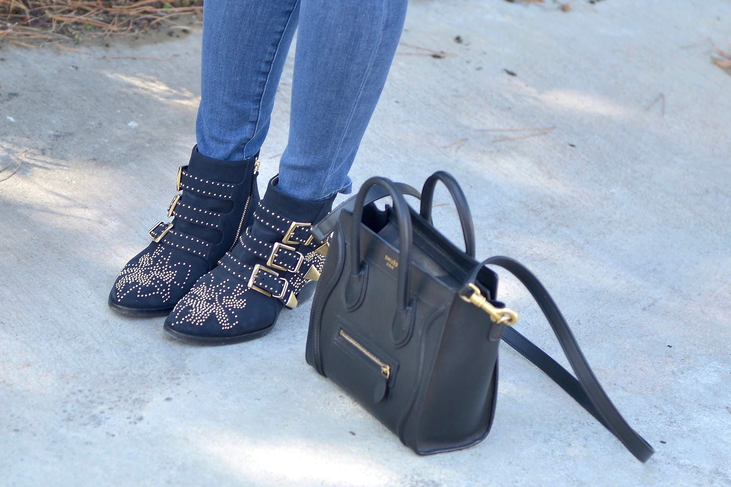 Just Goh With It-Outfit-Current-Elliott-Shirt-Blue-Jeans-Chloe-Susanna-Ankle-Boots-4.jpg
