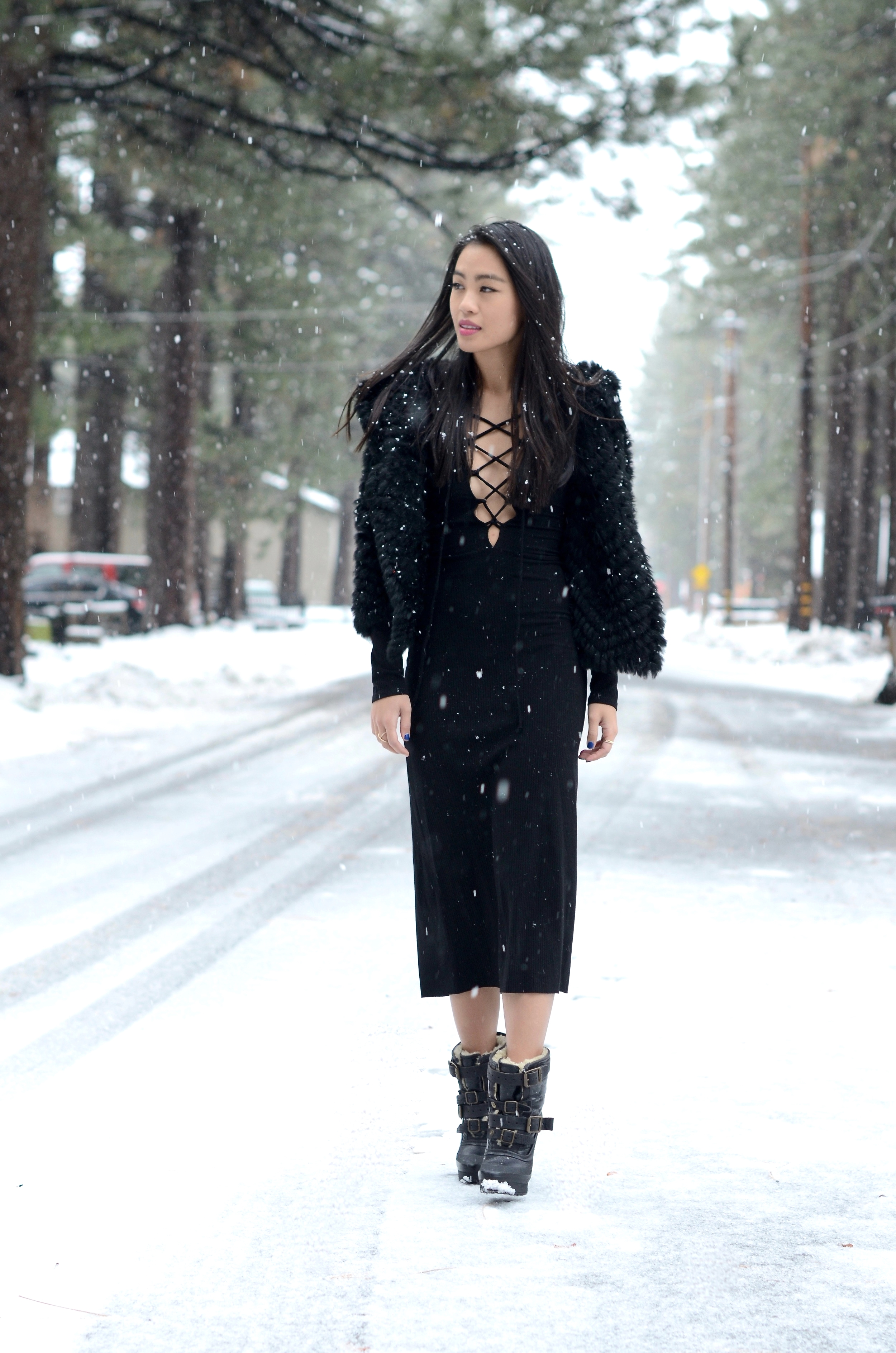 Just Goh With It-Travel-California-Lake-Tahoe-Reformation-Lace-Up-Dress-Burberry-Shearling-Boots-Marc-Jacobs-Fur-Jacket-3.jpg