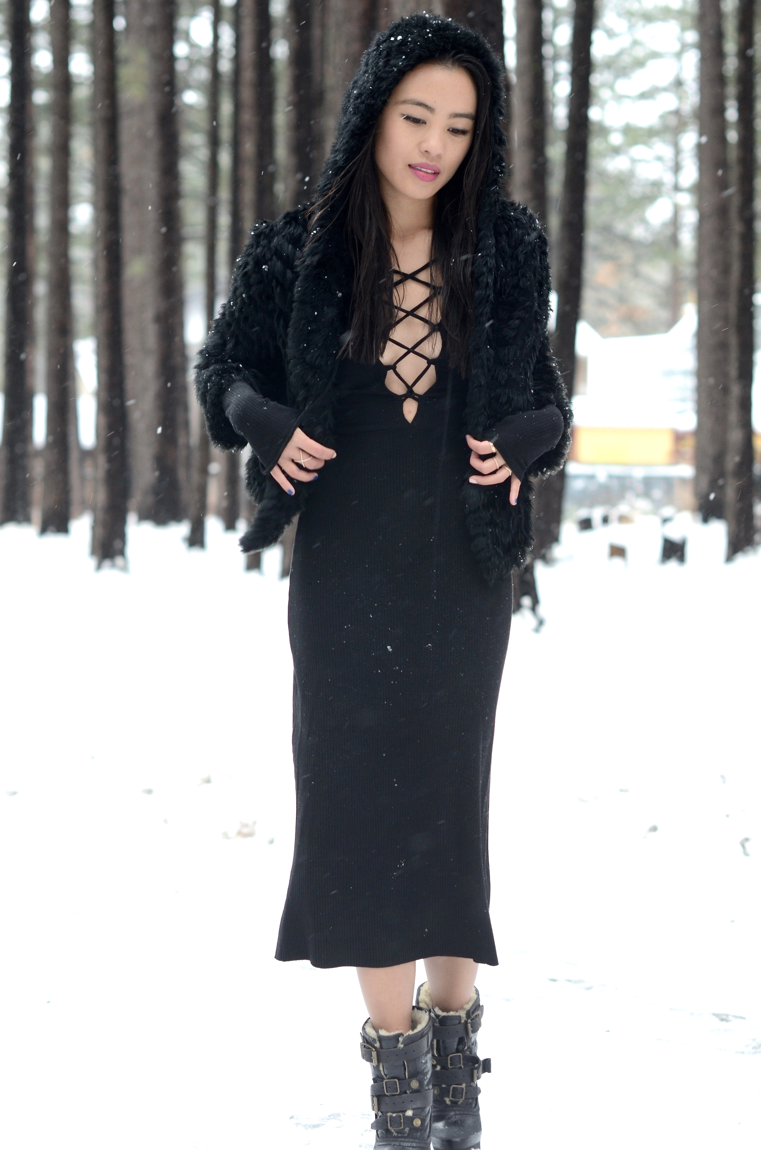 Just Goh With It-Travel-California-Lake-Tahoe-Reformation-Lace-Up-Dress-Burberry-Shearling-Boots-Marc-Jacobs-Fur-Jacket-10.jpg