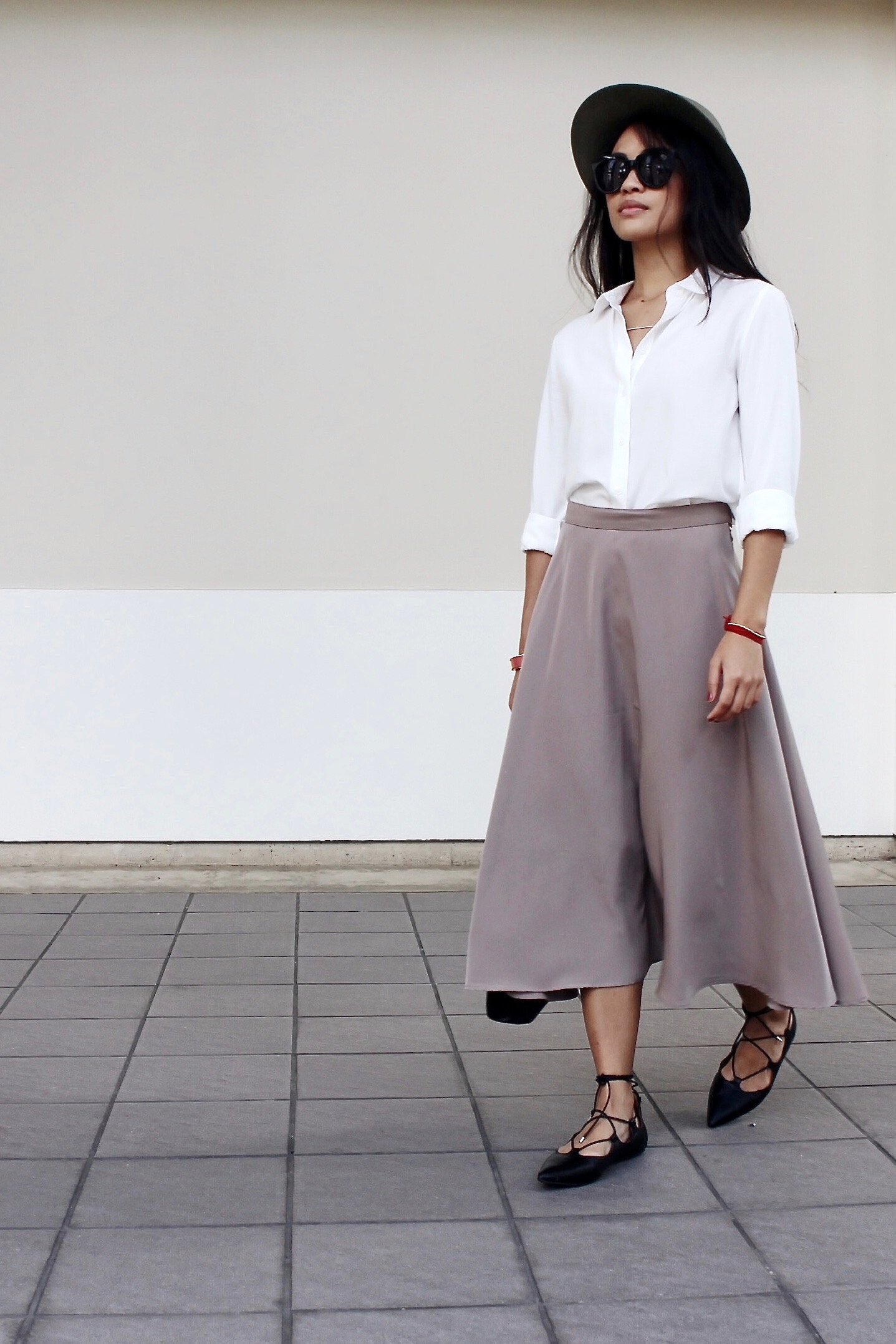 Just Goh With It-Outfit-Uniqlo-Shirt-american-apparel-Midi-Skirt-topshop-Lace-up-Flats-rag-and-bone-hat-2.jpg