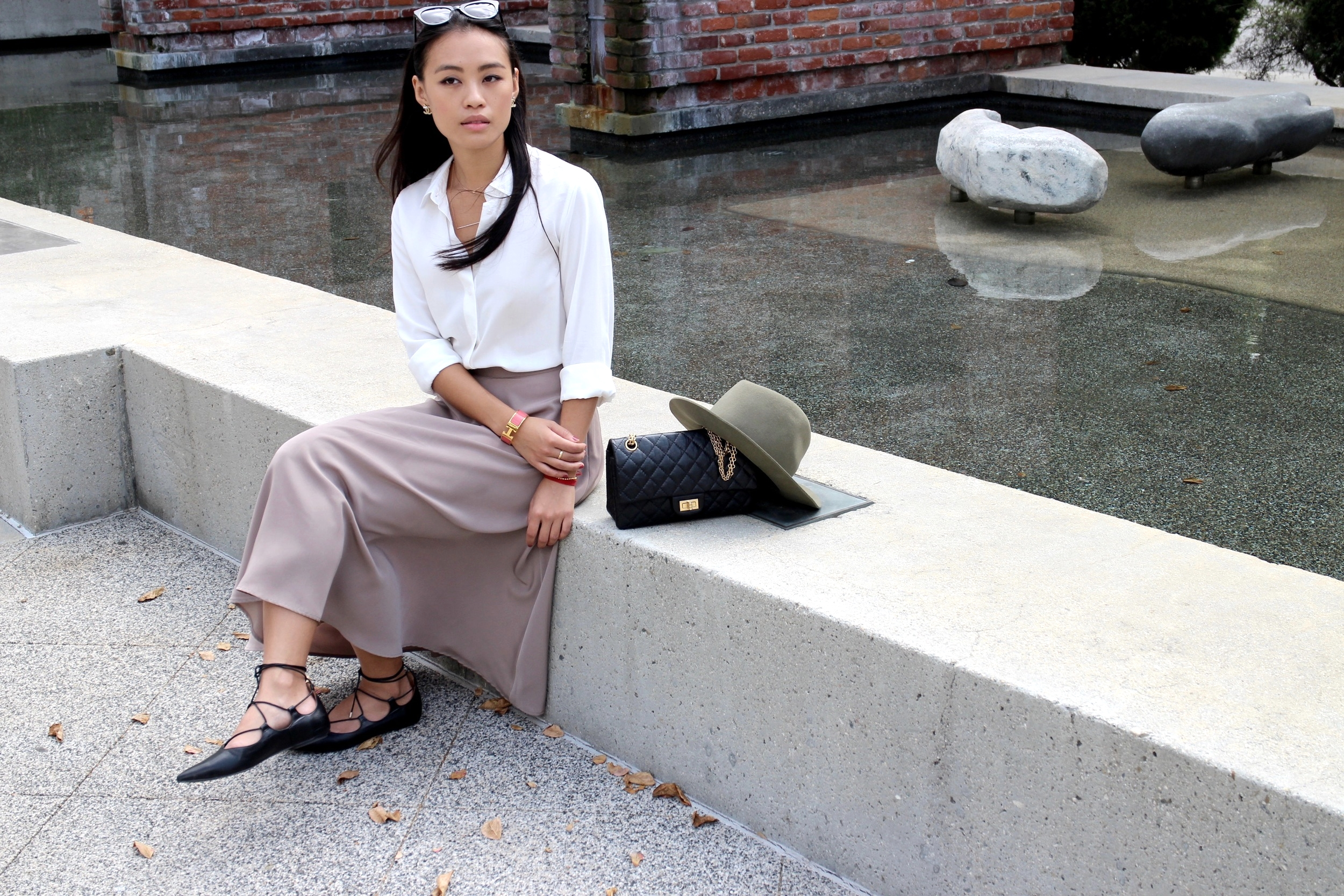 Just Goh With It-Outfit-Uniqlo-Shirt-american-apparel-Midi-Skirt-topshop-Lace-up-Flats-rag-and-bone-hat-8.jpg