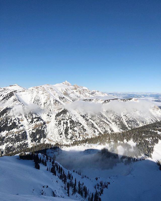 This view makes it worth skiing...almost 🙃 #gohtojacksonhole