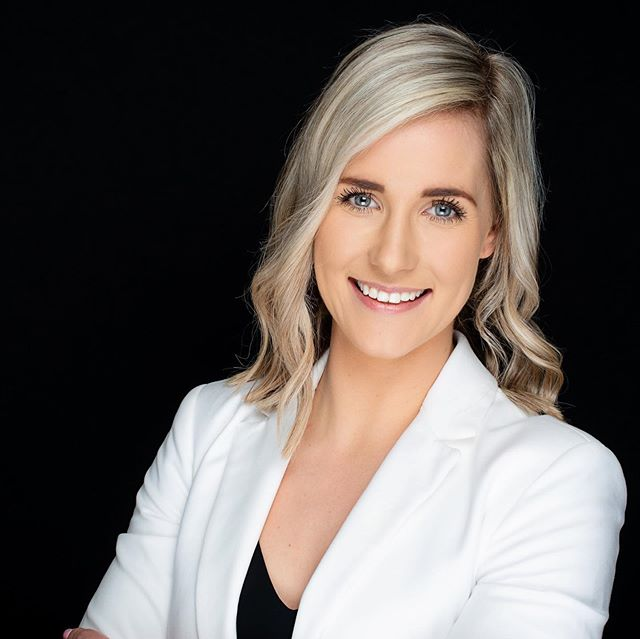 When @tamobst gets down to business it calls for a pro look 💪🏻 If you are in Adelaide, if you are pregnant or just gave birth, you must check out Tammy's IG account. She has got all the magic tools for you to prepare for birth or recover from it quicker 🤓