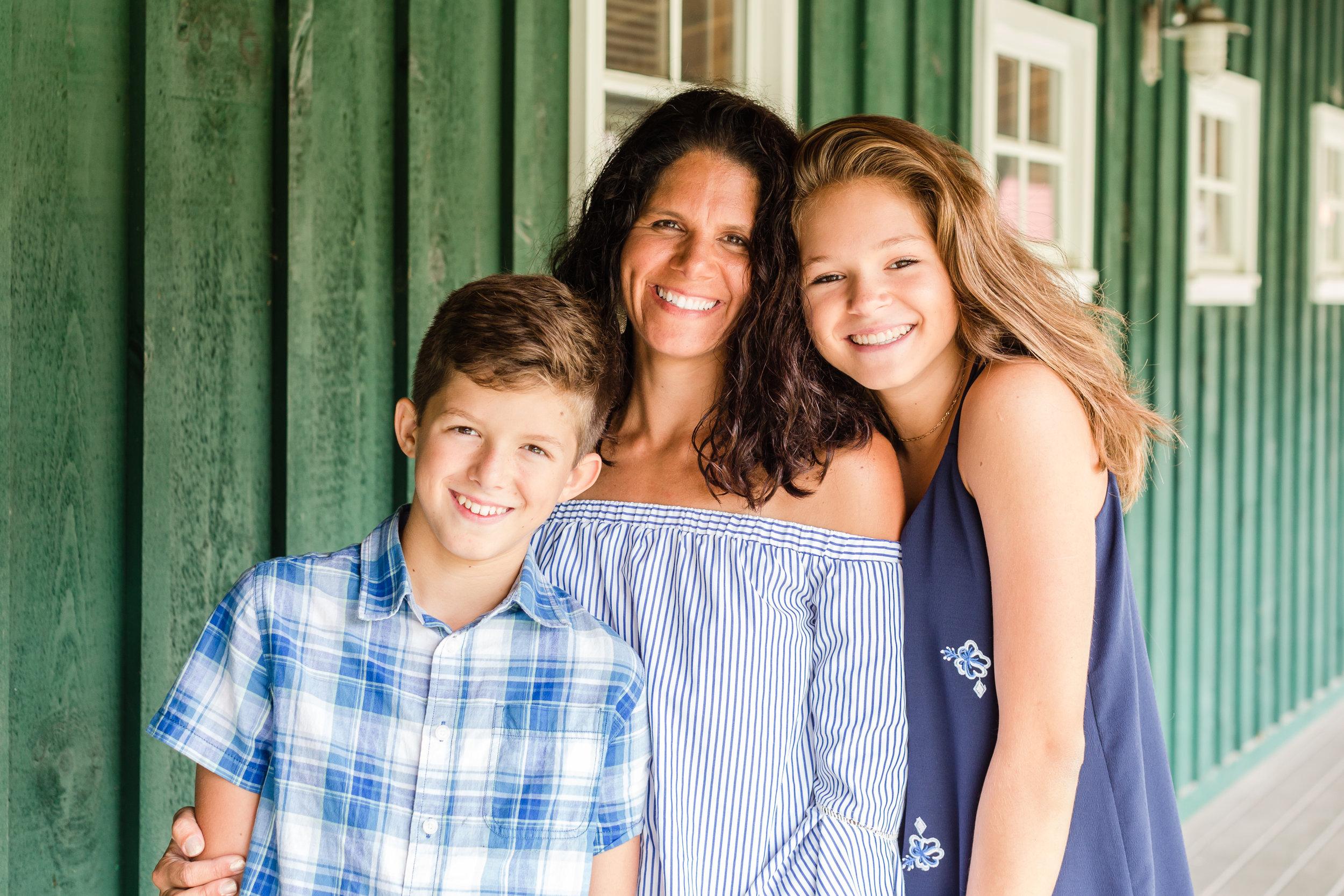 Hewitt Extended Family Session-7533.jpg