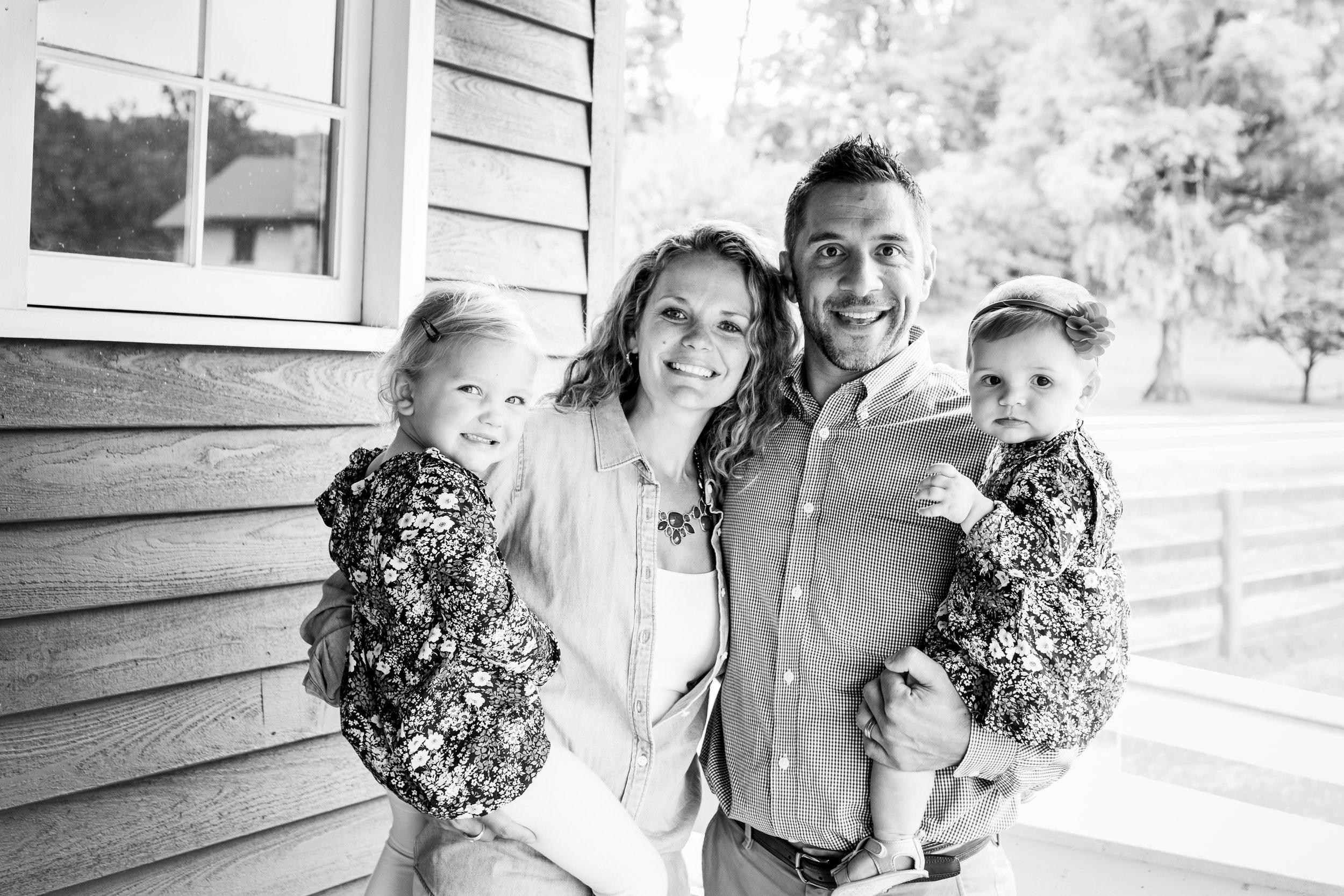 Hewitt Extended Family Session-7628.jpg