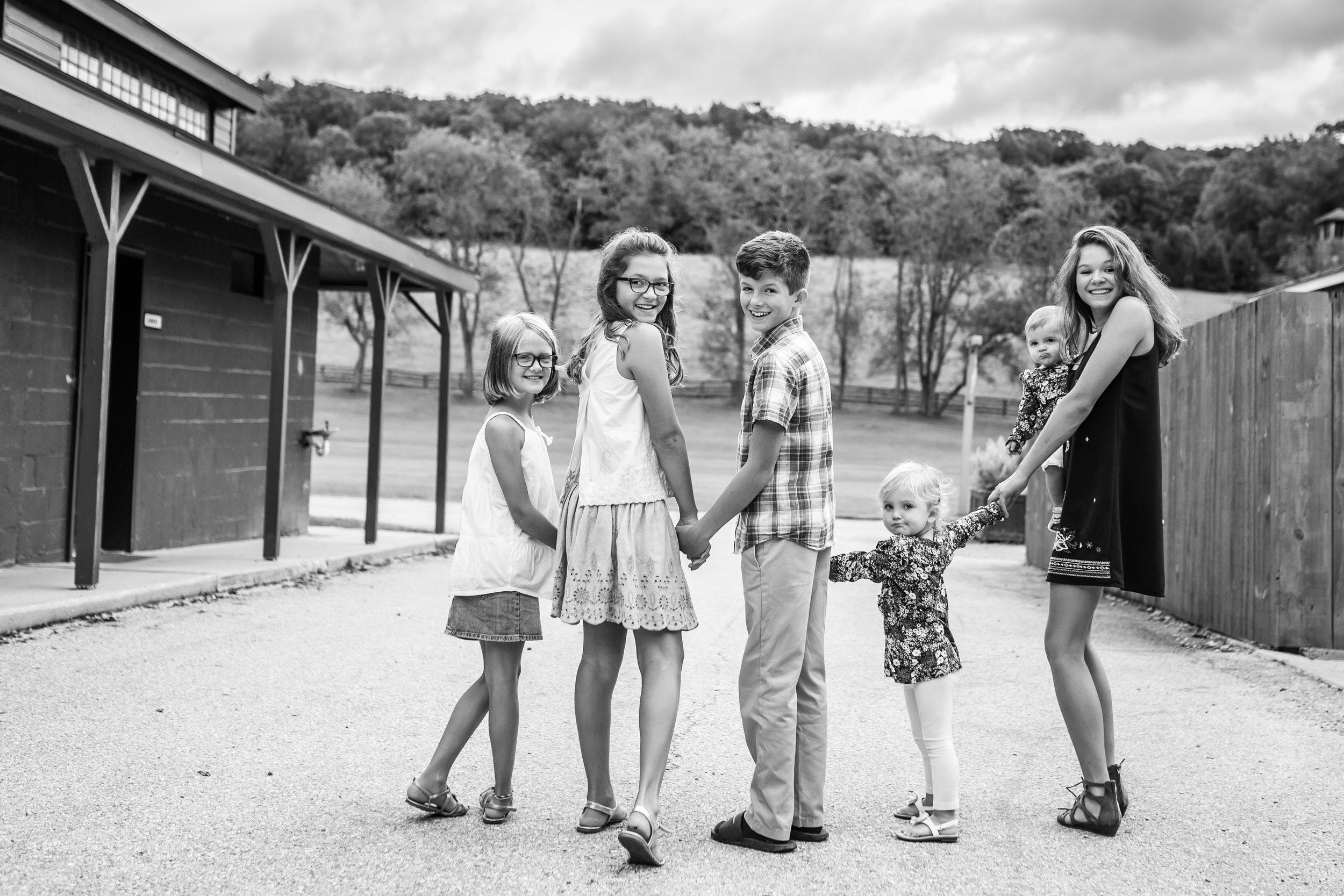 Hewitt Extended Family Session-8277.jpg