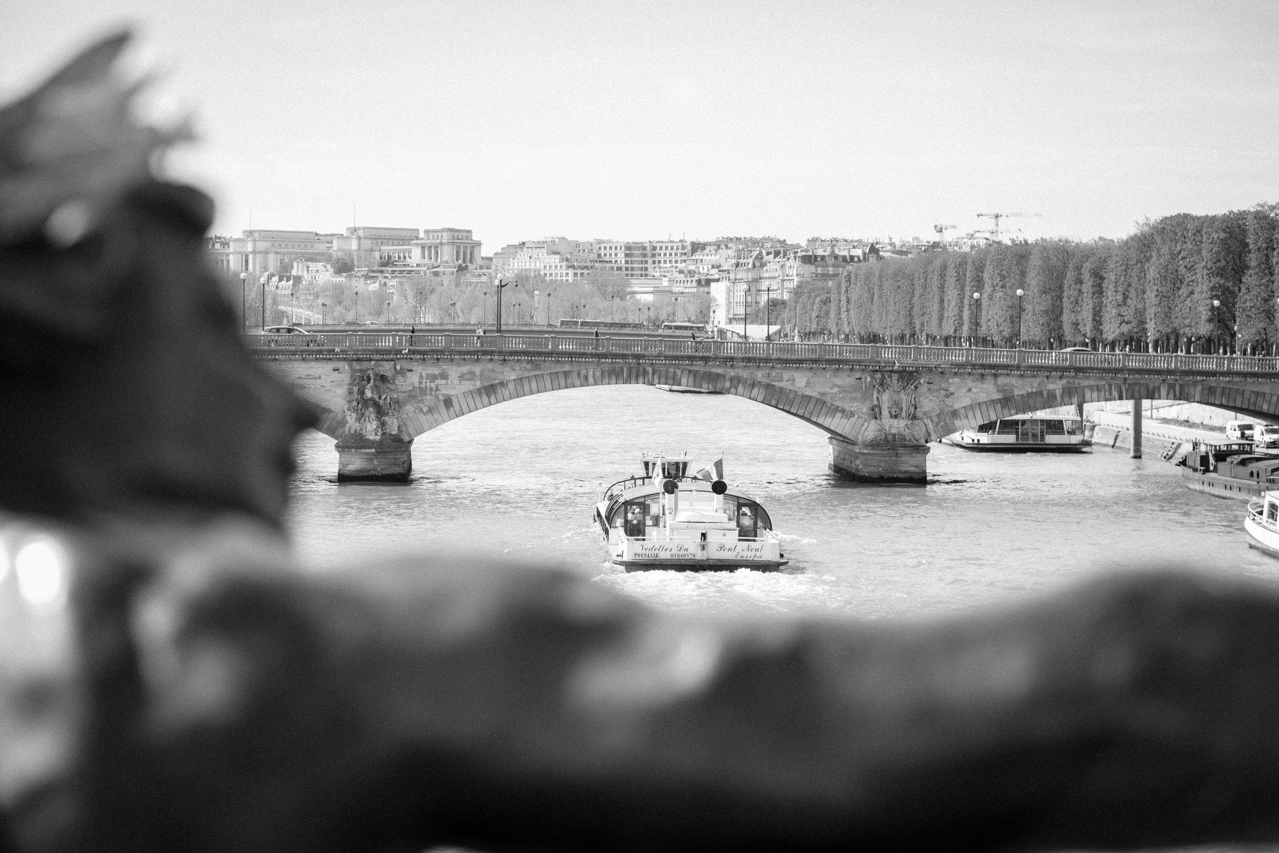 Paris Engagement Photographer-31.jpg