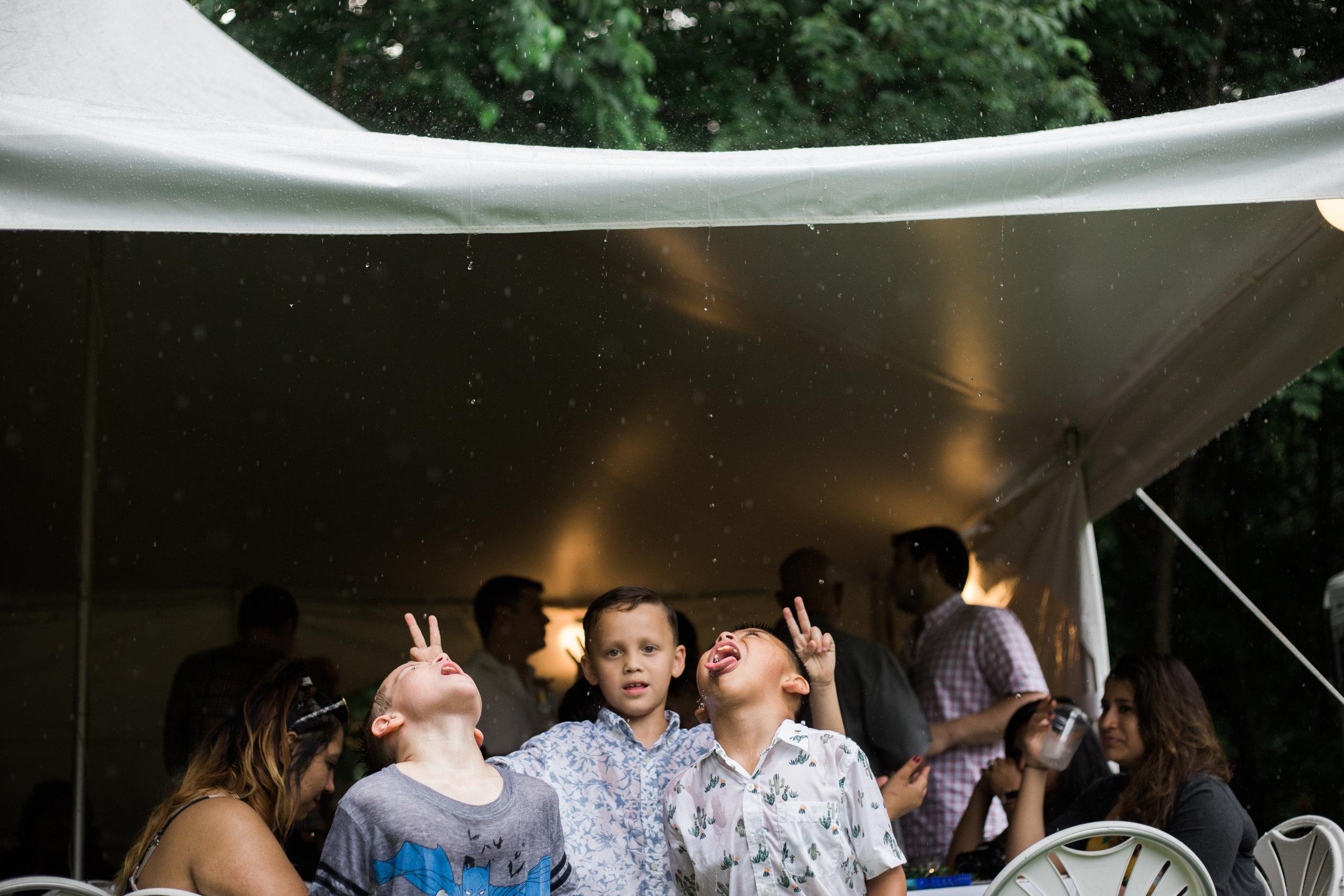 Frederick Maryland Wedding Photographers Rain-1.jpg