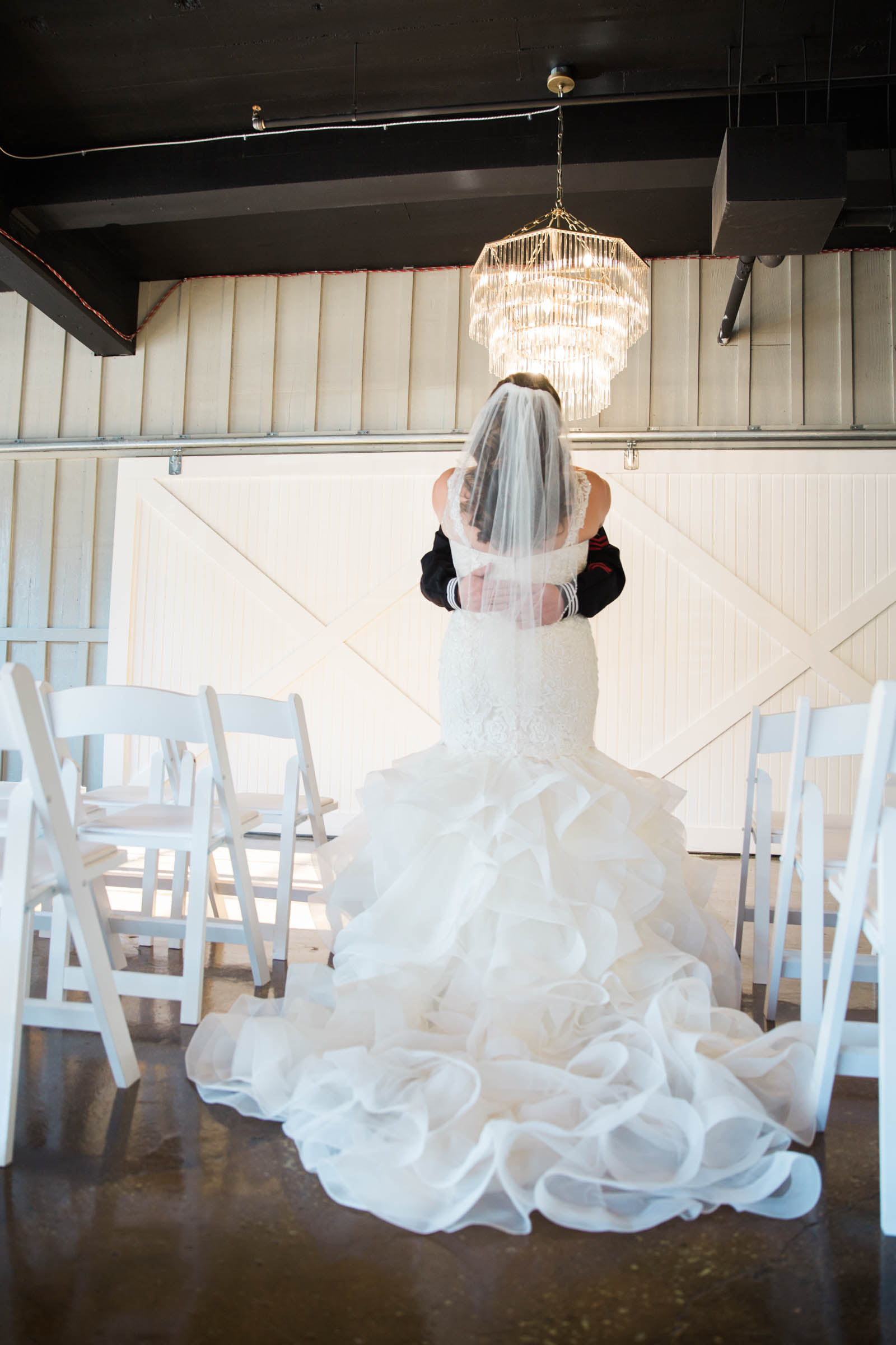 Main Street Ballroom Ellicott City Wedding Curvy Bride Baltimore Maryland Wedding Photographers (30 of 111).jpg