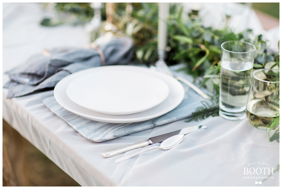 elegant earthy fine art tablescape