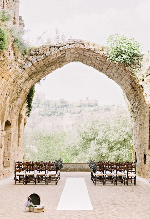 image via  Bridal Musings on our board  Ceremony