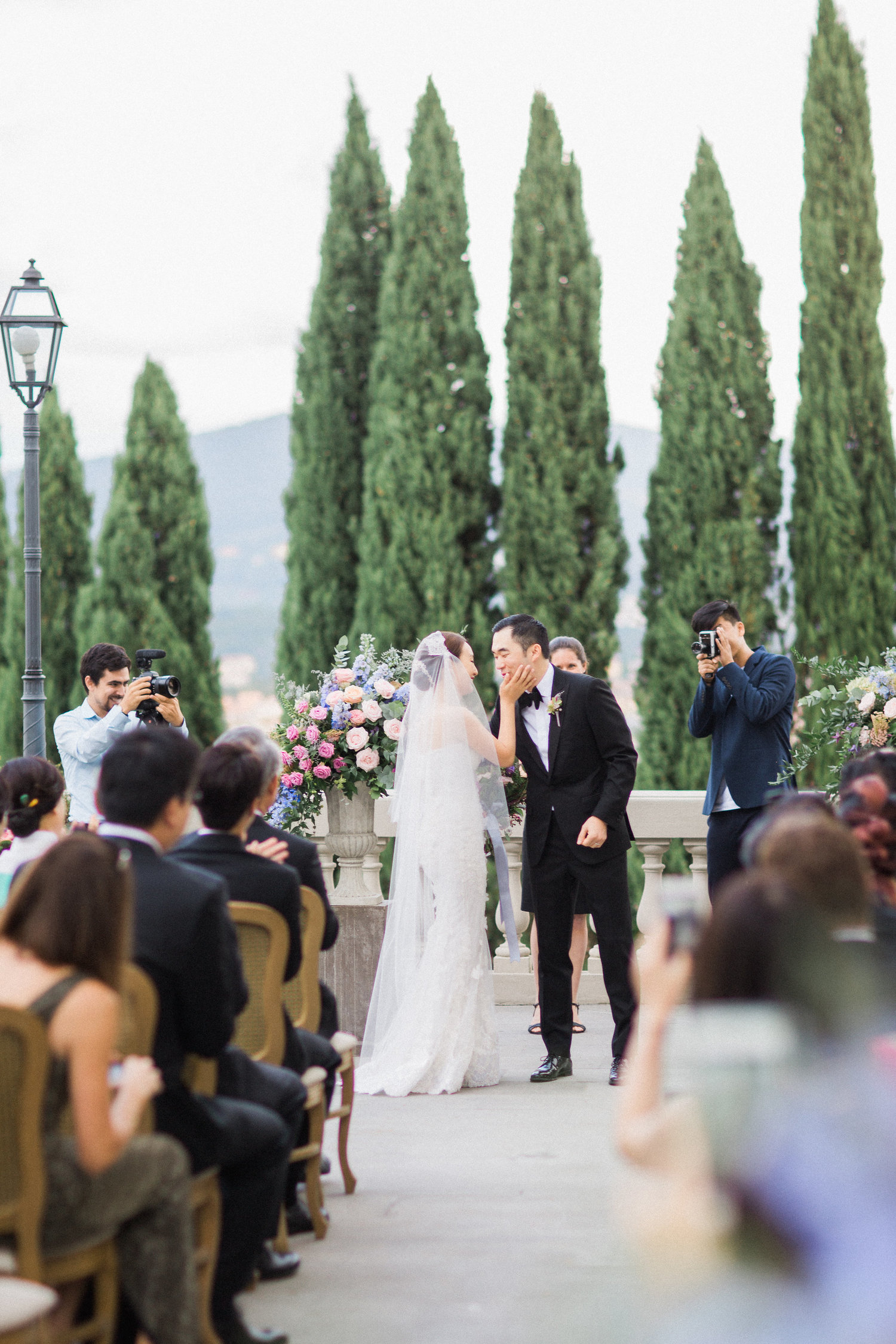 wedding ceremony at villa vedetta in florence italy