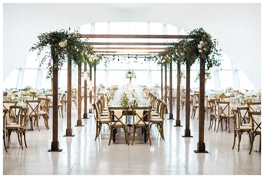 luxury floral design forMilwaukee Art Museum wedding