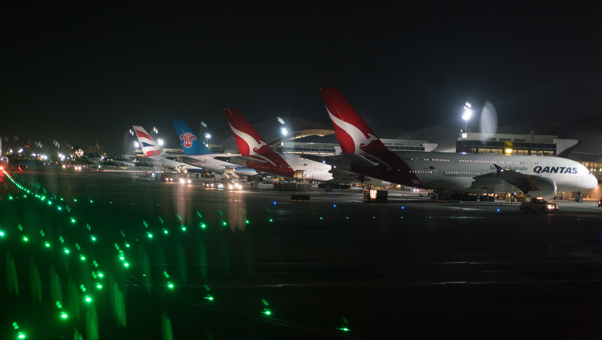 Those Qantas A380s at Los Angeles are some of my favorite rides.