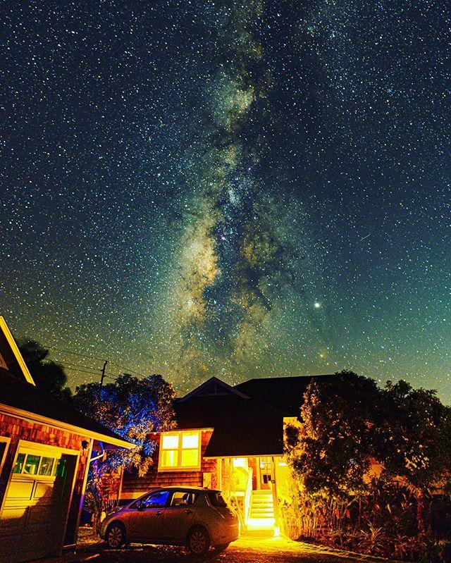 Milky on Maui  Pc: @tpechner123  Edit: @stanovision  #maui #visitmaui #mauilife #milkyway #travelhawaii #hawaiianlife #hawaiistagram #MilkywayChasers #astrophotography  #astrophotographer #nightphotography #longexposureoftheday #worldcaptures #amazing_longexpo #ic_longexpo #ig_worldclub #earthofficial #earthexperience #global_hotshotz #big_shotz #special_shots #artofvisuals  #superhubs #igs_america #worldbestshot #jaw_dropping_shots #global_hotshotz #supreme_nightshots #natgeoyourshot