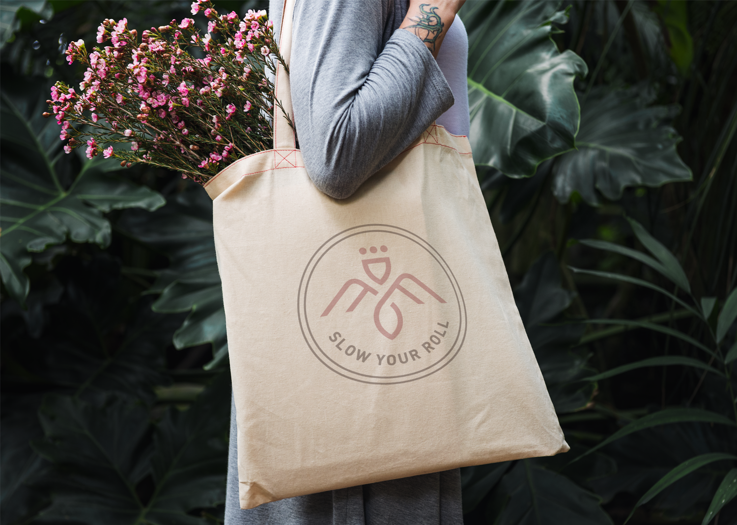 Mama Flowers visual identity tote bag design
